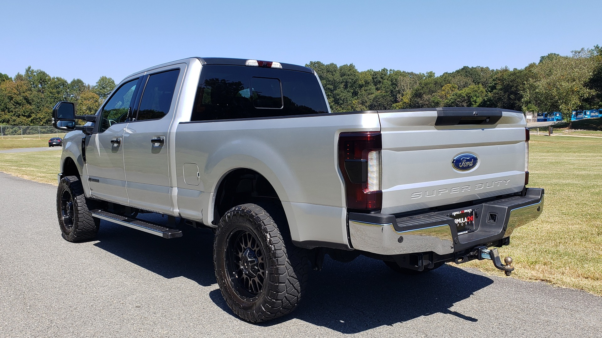 Used 2019 Ford SUPER DUTY F-250 SRW LARIAT 4WD / NAV / PANO-ROOF / B&O SND / REARVIEW / TAILGATE STEP for sale Sold at Formula Imports in Charlotte NC 28227 3