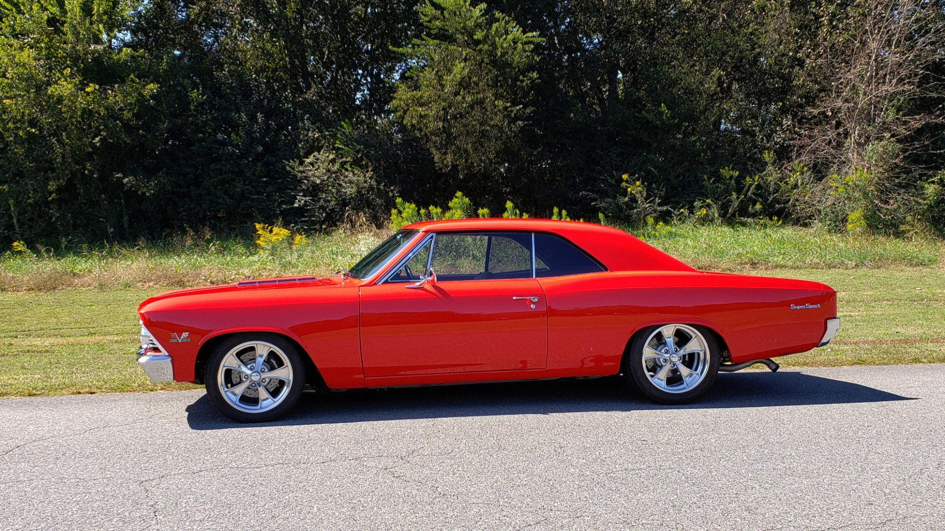 Used 1966 Chevrolet CHEVELLE SS 396 CUSTOM RESTO-MOD / 4-SPEED MANUAL / 12-BOLT REAR for sale $74,999 at Formula Imports in Charlotte NC 28227 6