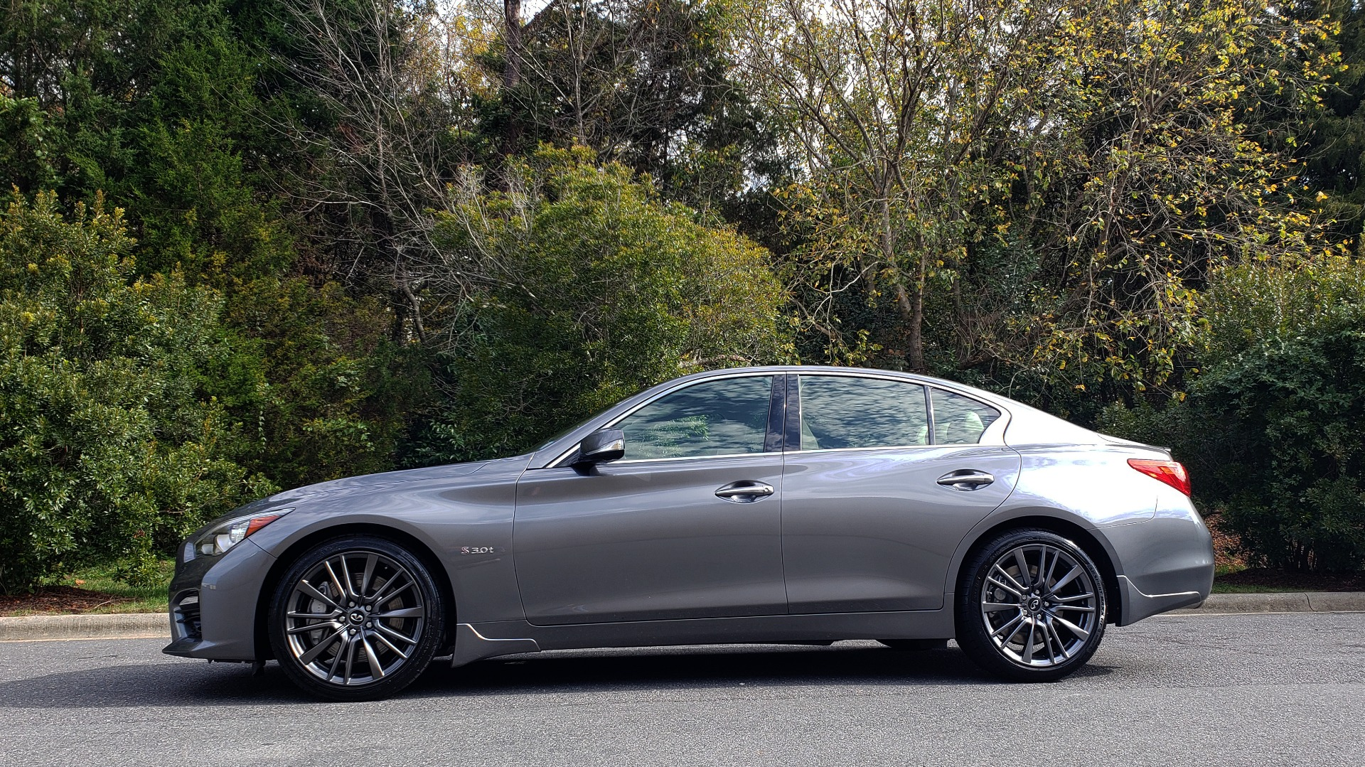 Used 2016 INFINITI Q50 3.0T RED SPORT 400 / NAV / PREM PLUS / BLIND SPOT / REARVIEW for sale $28,495 at Formula Imports in Charlotte NC 28227 2