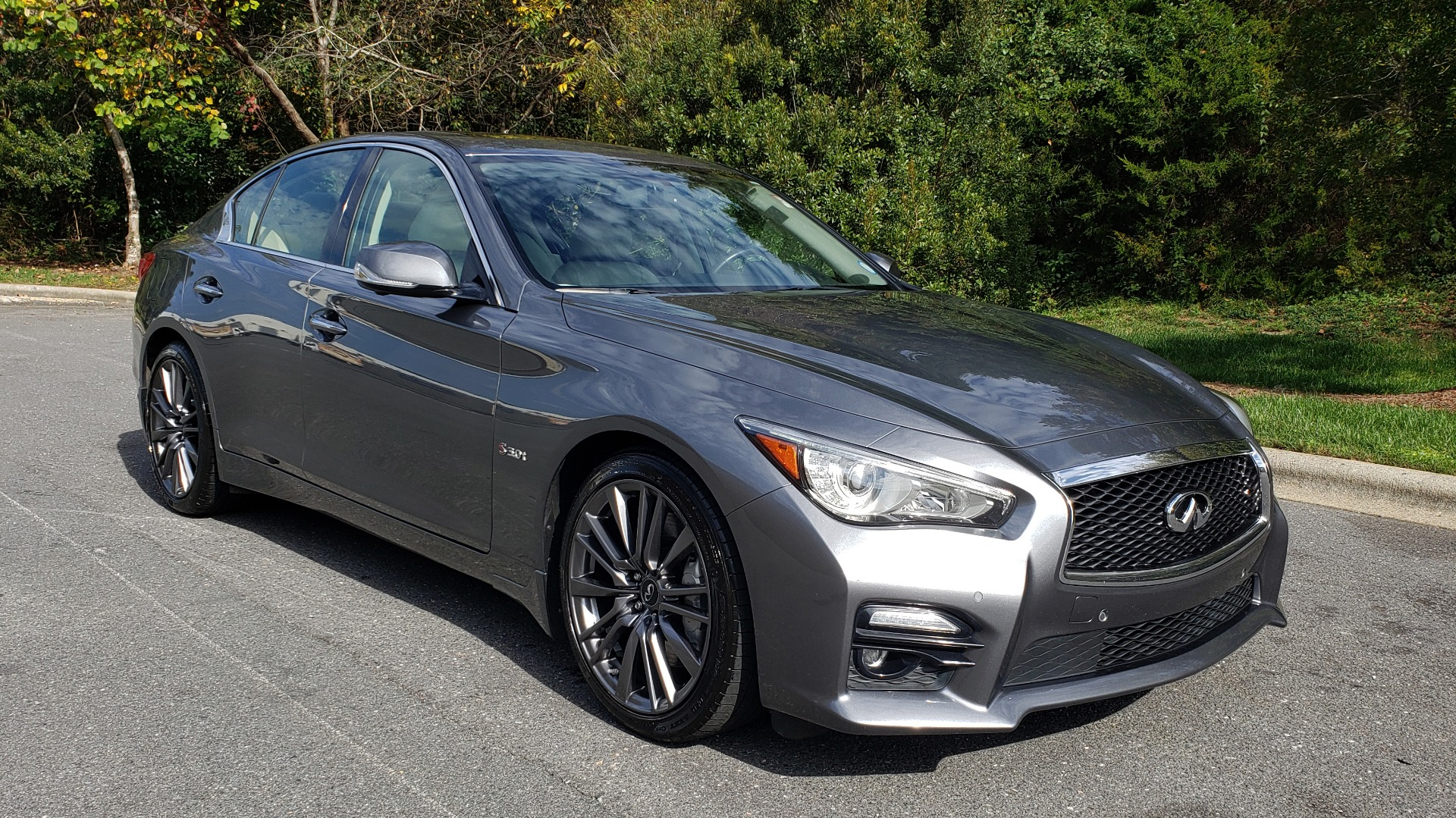 Used 2016 INFINITI Q50 3.0T RED SPORT 400 / NAV / PREM PLUS / BLIND SPOT / REARVIEW for sale $28,495 at Formula Imports in Charlotte NC 28227 4