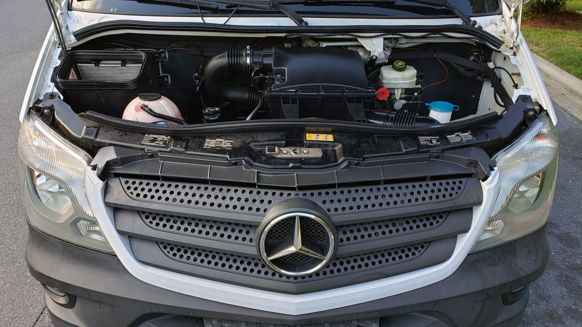 Used 2015 Mercedes-Benz SPRINTER CARGO VAN 4x4 3500 170 EXT / 3.0L V6 TURBO DIESEL / 5-SPD AUTO / REARVIEW for sale $51,999 at Formula Imports in Charlotte NC 28227 8