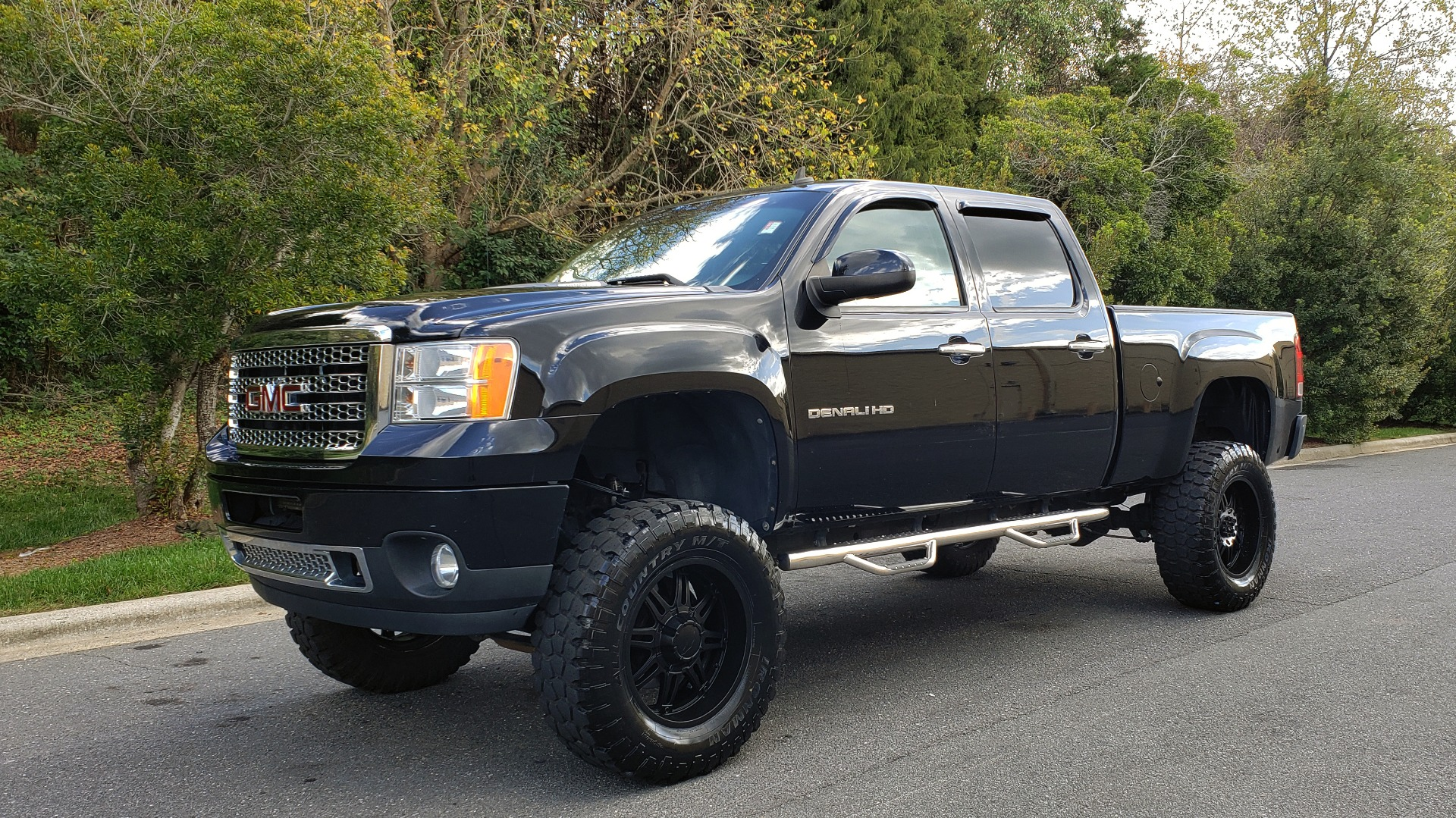 Used 2012 GMC SIERRA 2500HD DENALI CREWCAB 4X4 / LIFTED / BIG TIRES / REARVIEW for sale $31,599 at Formula Imports in Charlotte NC 28227 1