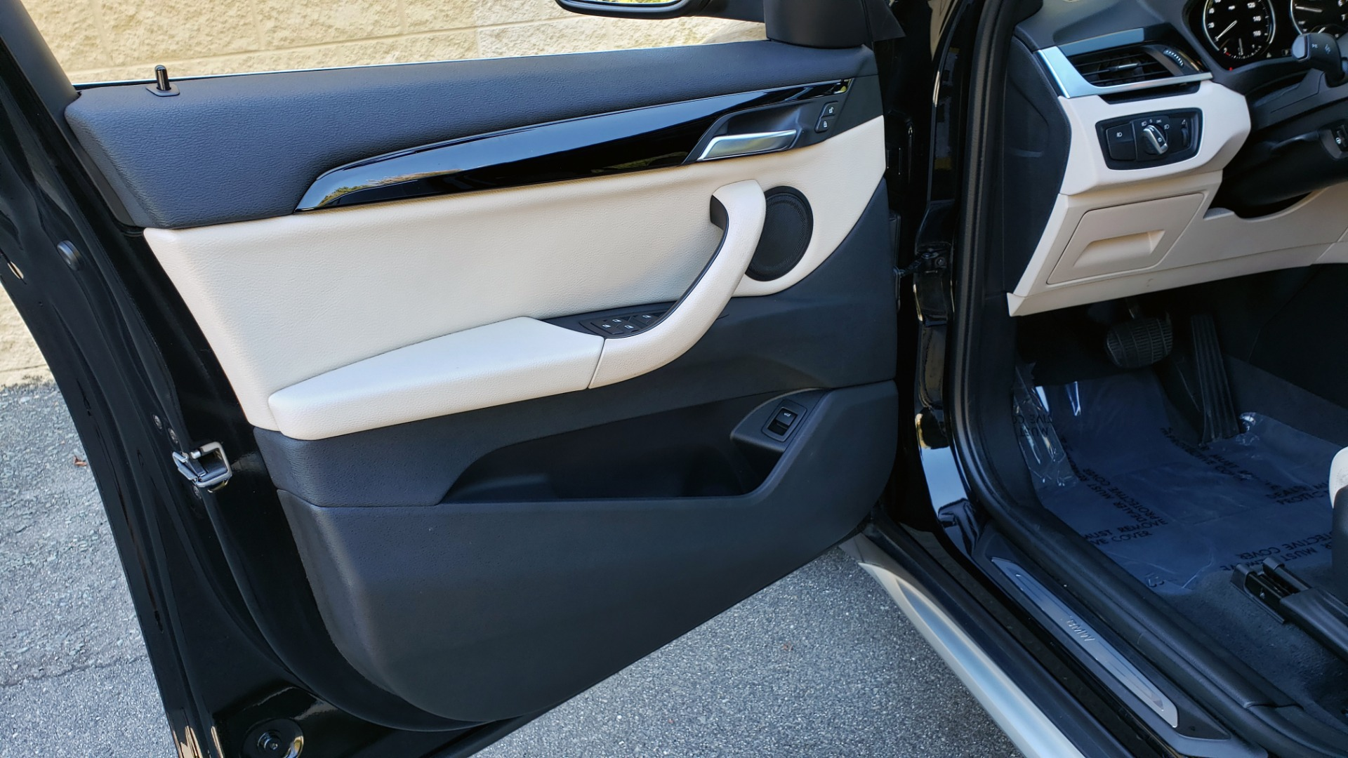 Used 2018 BMW X1 SDRIVE28I / HEATED SEATS / 4-CYL / 8-SPD AUTO / REARVIEW for sale Sold at Formula Imports in Charlotte NC 28227 32