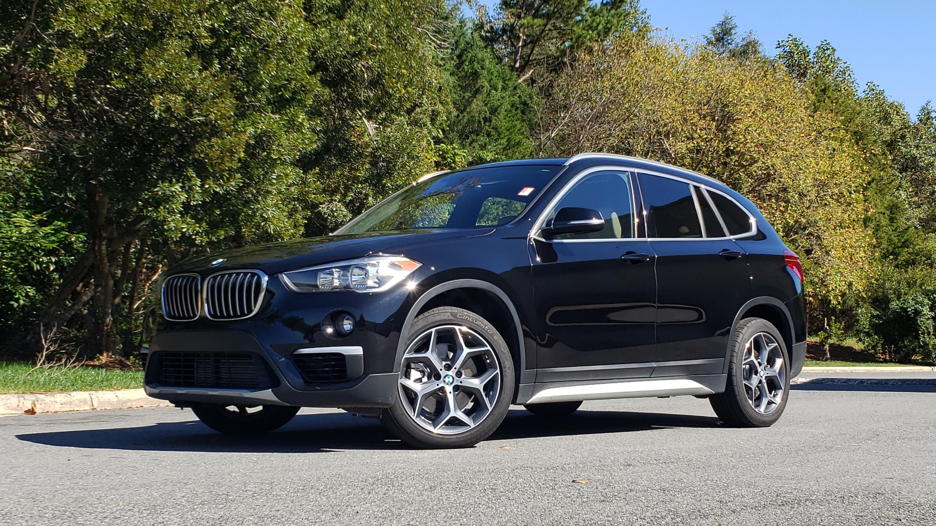 Used 2018 BMW X1 SDRIVE28I / HEATED SEATS / 4-CYL / 8-SPD AUTO / REARVIEW for sale Sold at Formula Imports in Charlotte NC 28227 4