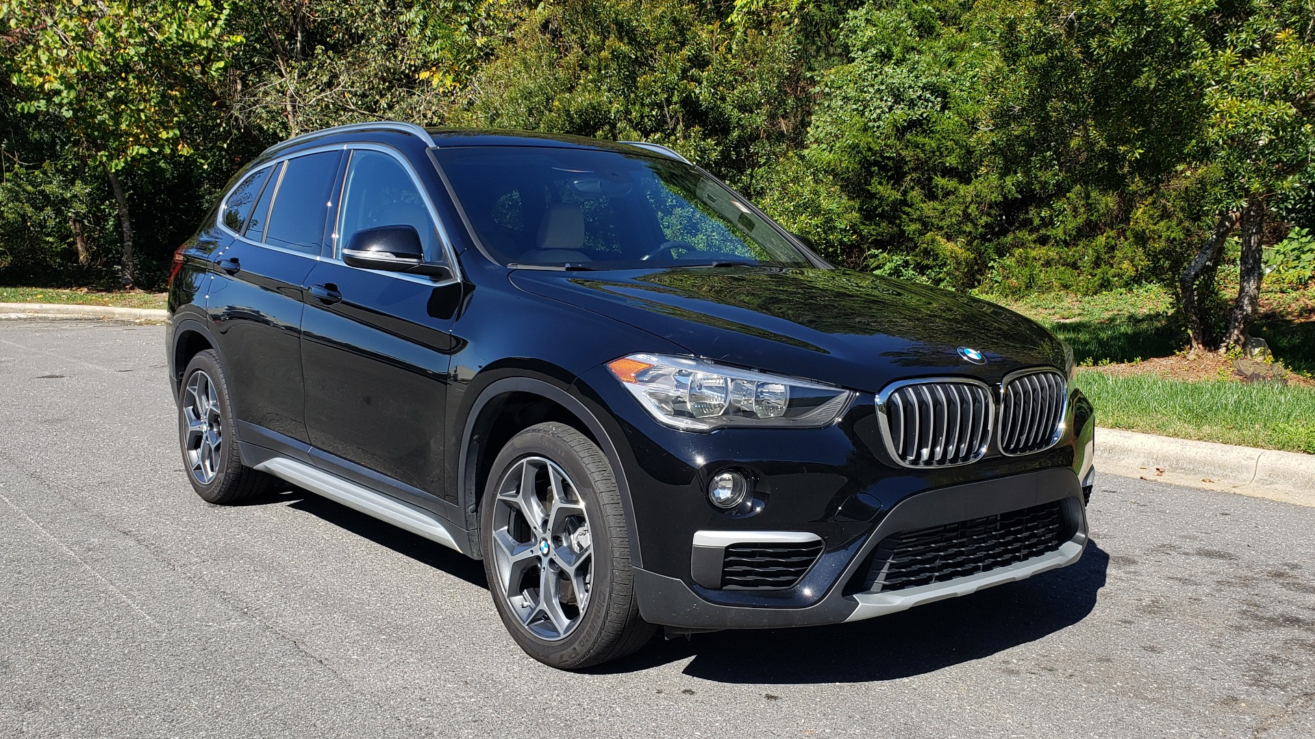 Used 2018 BMW X1 SDRIVE28I / HEATED SEATS / 4-CYL / 8-SPD AUTO / REARVIEW for sale Sold at Formula Imports in Charlotte NC 28227 5