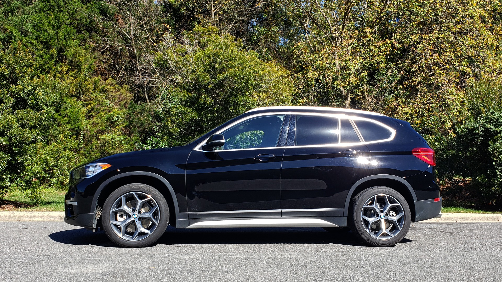 Used 2018 BMW X1 SDRIVE28I / HEATED SEATS / 4-CYL / 8-SPD AUTO / REARVIEW for sale Sold at Formula Imports in Charlotte NC 28227 7