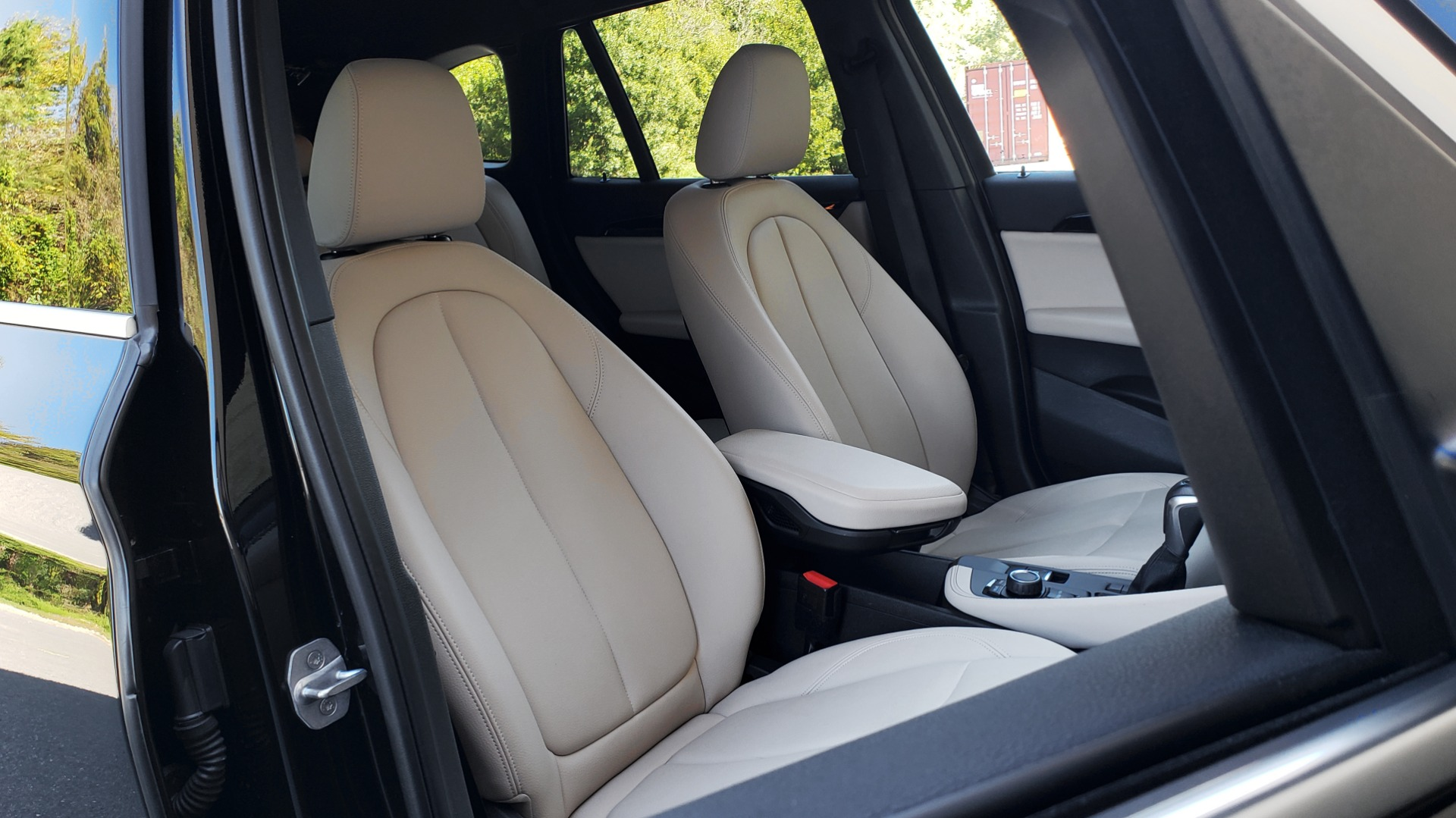 Used 2018 BMW X1 SDRIVE28I / HEATED SEATS / 4-CYL / 8-SPD AUTO / REARVIEW for sale Sold at Formula Imports in Charlotte NC 28227 71