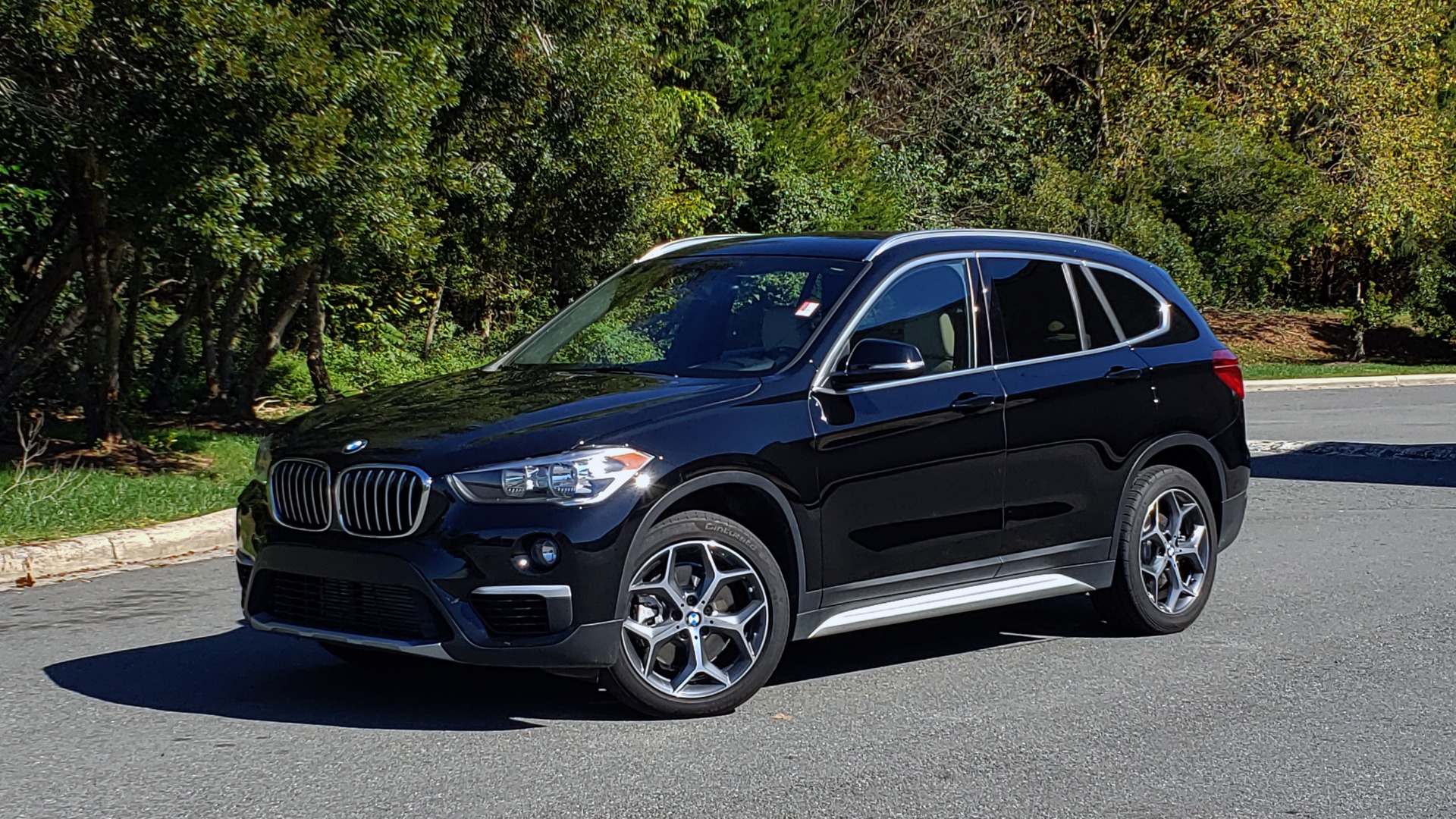Used 2018 BMW X1 SDRIVE28I / HEATED SEATS / 4-CYL / 8-SPD AUTO / REARVIEW for sale Sold at Formula Imports in Charlotte NC 28227 1