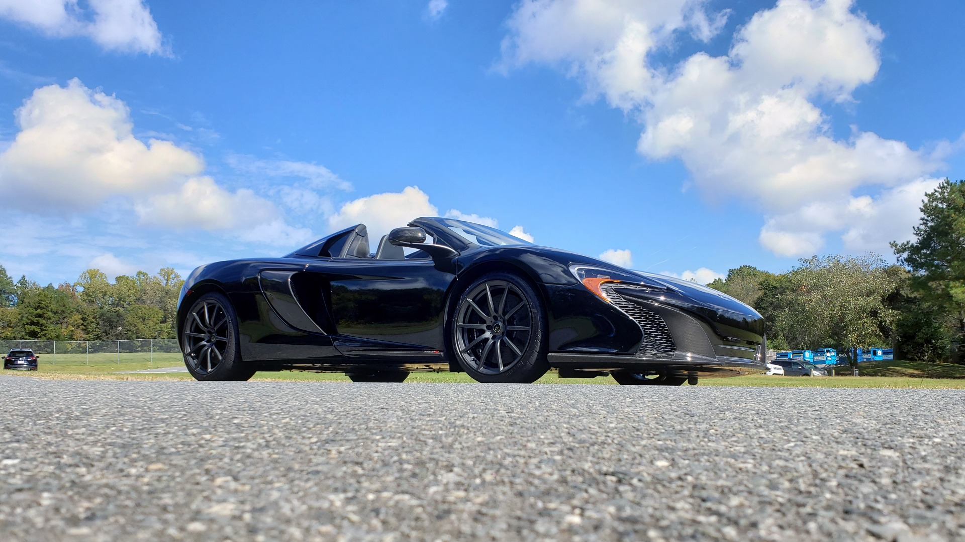 Used 2016 McLaren 650S SPIDER / 641HP / PARK SENSORS / LOW MILES / 1-OWNER for sale Sold at Formula Imports in Charlotte NC 28227 14