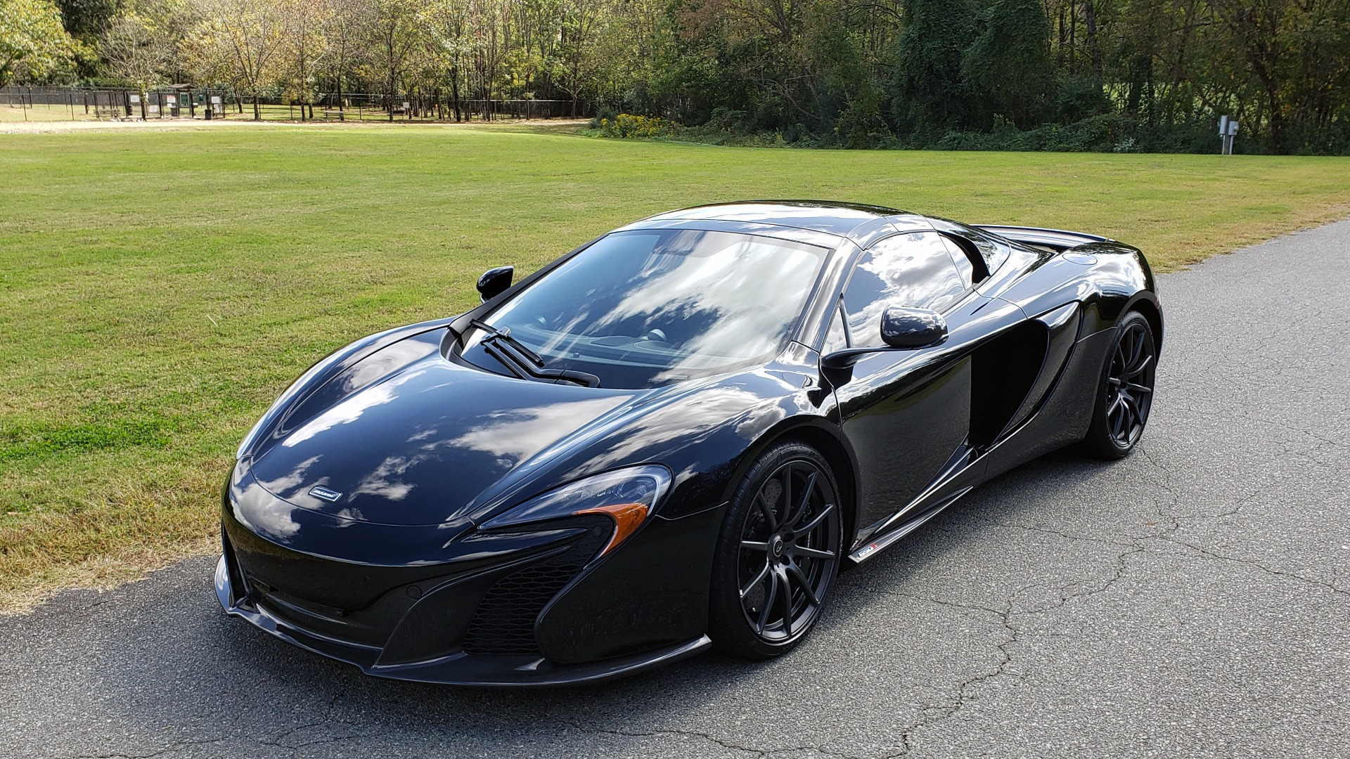 Used 2016 McLaren 650S SPIDER / 641HP / PARK SENSORS / LOW MILES / 1-OWNER for sale Sold at Formula Imports in Charlotte NC 28227 3