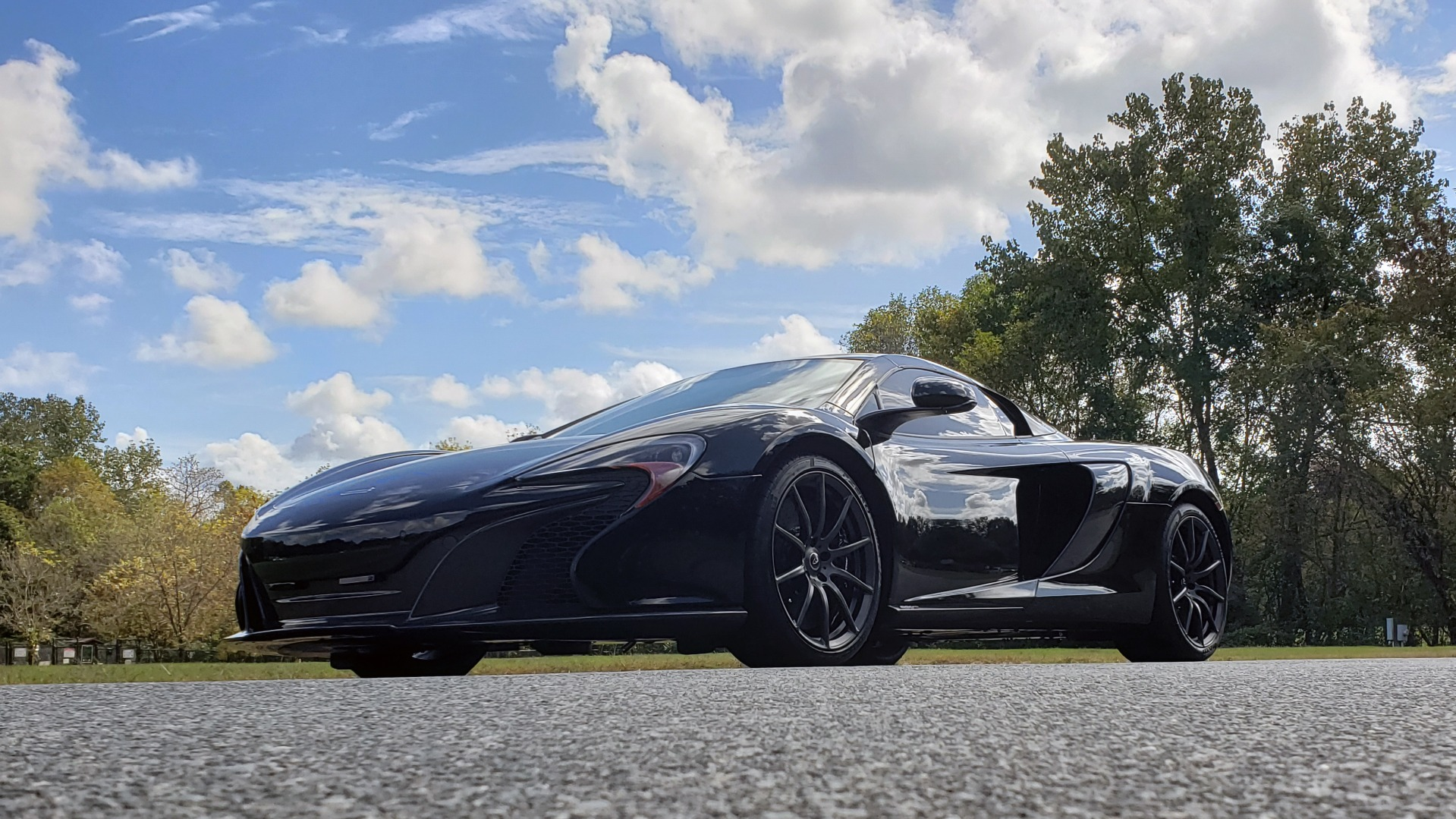 Used 2016 McLaren 650S SPIDER / 641HP / PARK SENSORS / LOW MILES / 1-OWNER for sale Sold at Formula Imports in Charlotte NC 28227 4