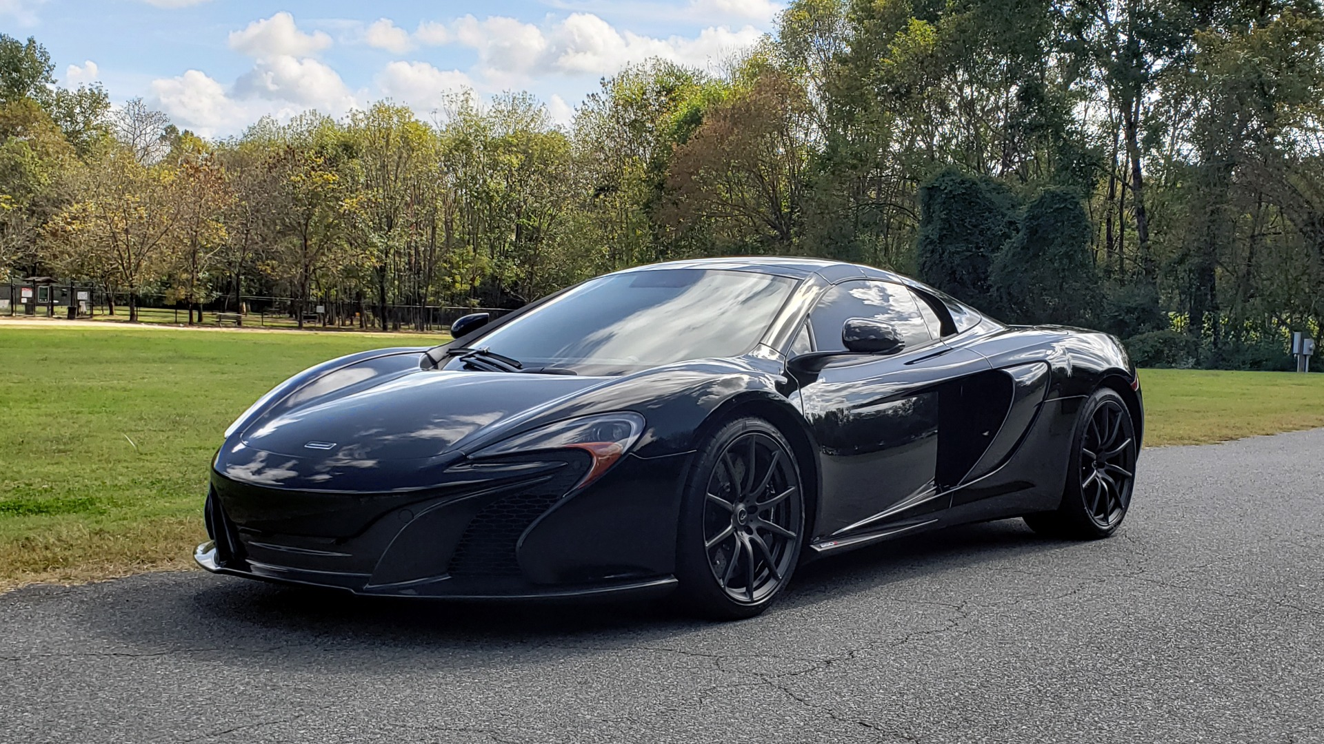 Used 2016 McLaren 650S SPIDER / 641HP / PARK SENSORS / LOW MILES / 1-OWNER for sale Sold at Formula Imports in Charlotte NC 28227 5