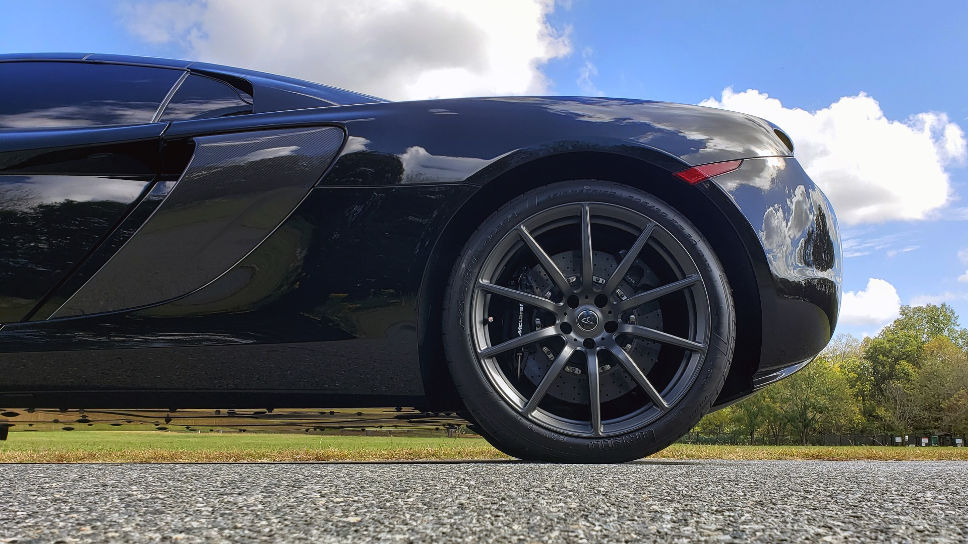 Used 2016 McLaren 650S SPIDER / 641HP / PARK SENSORS / LOW MILES / 1-OWNER for sale Sold at Formula Imports in Charlotte NC 28227 69