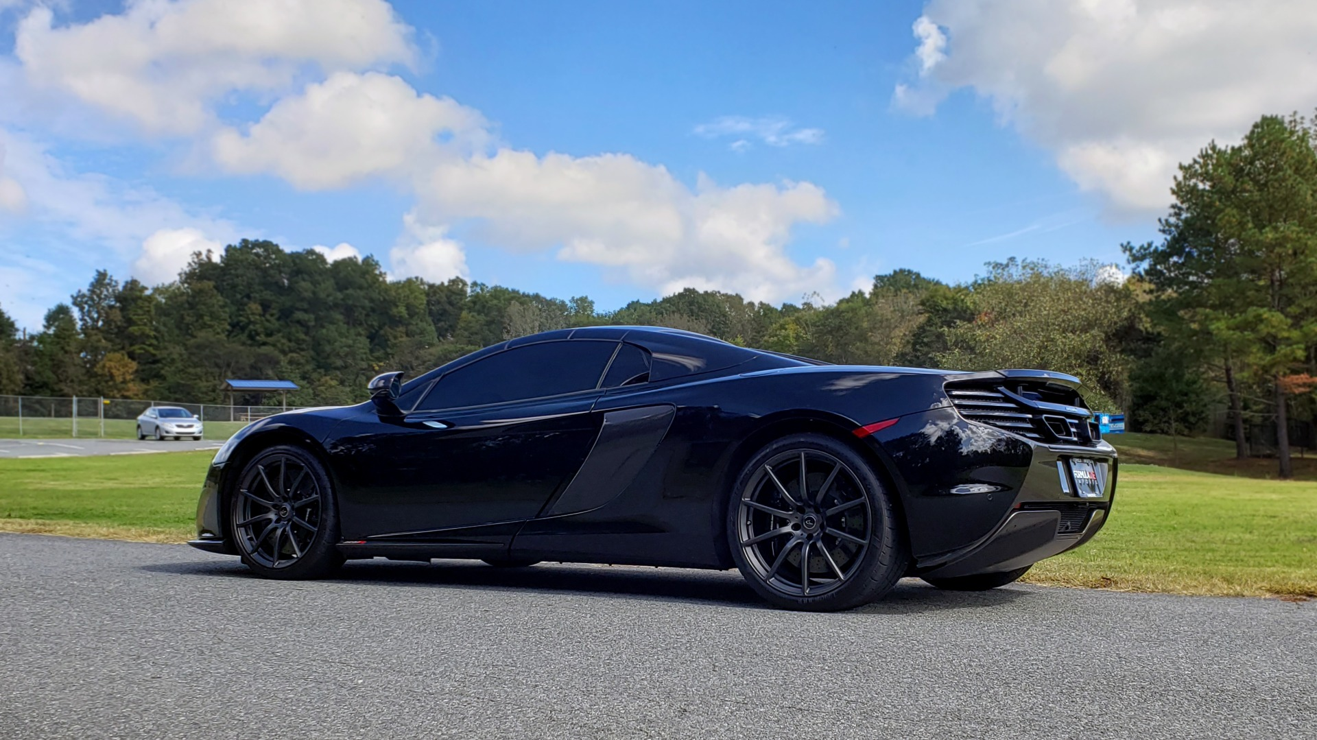 Used 2016 McLaren 650S SPIDER / 641HP / PARK SENSORS / LOW MILES / 1-OWNER for sale Sold at Formula Imports in Charlotte NC 28227 7