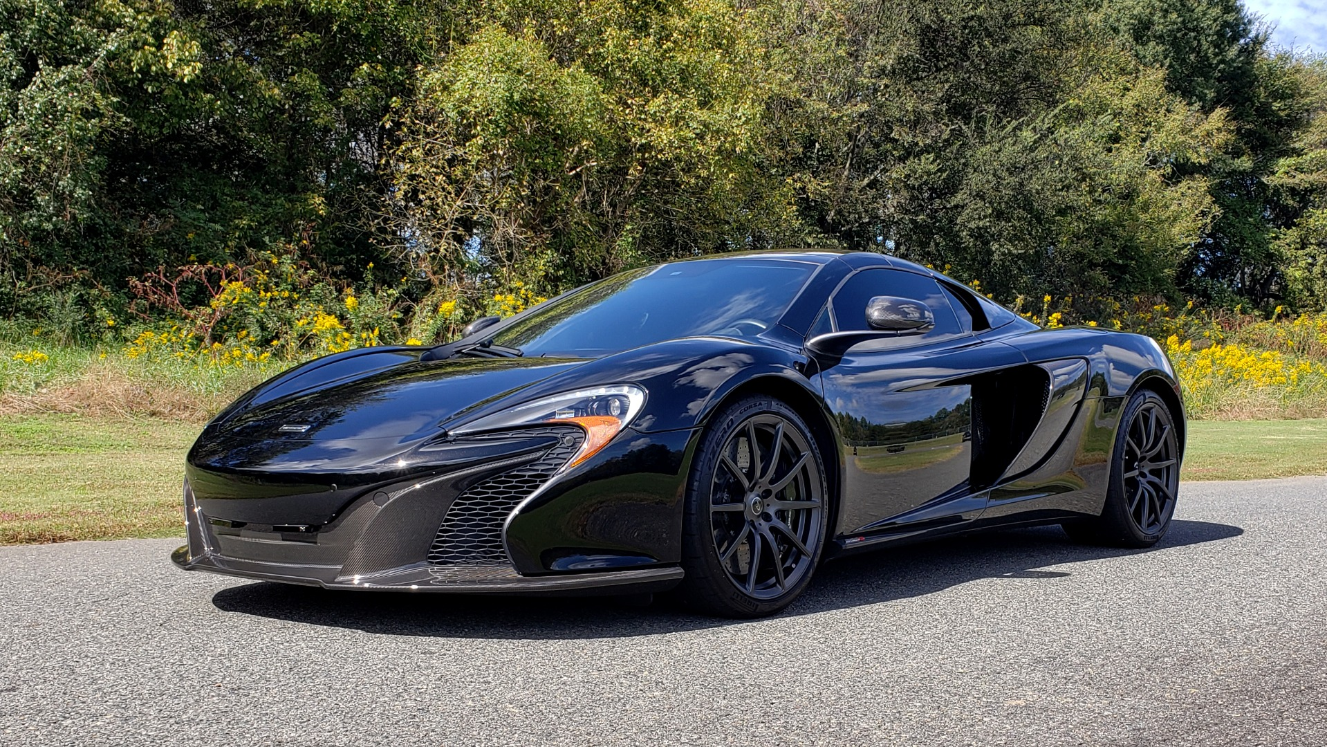 Used 2016 McLaren 650S SPIDER / 641HP / PARK SENSORS / LOW MILES / 1-OWNER for sale Sold at Formula Imports in Charlotte NC 28227 1