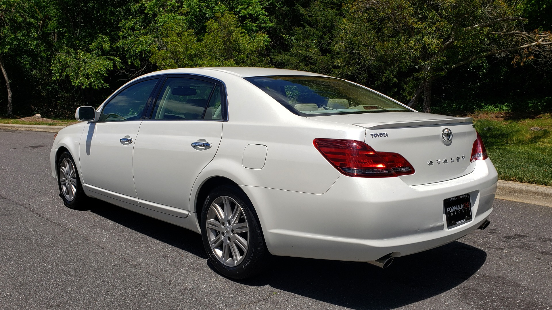 Used 2008 Toyota AVALON LIMITED V6 / FWD / SUNROOF / DYN RADAR CRUISE / BRAKE ASST for sale Sold at Formula Imports in Charlotte NC 28227 3