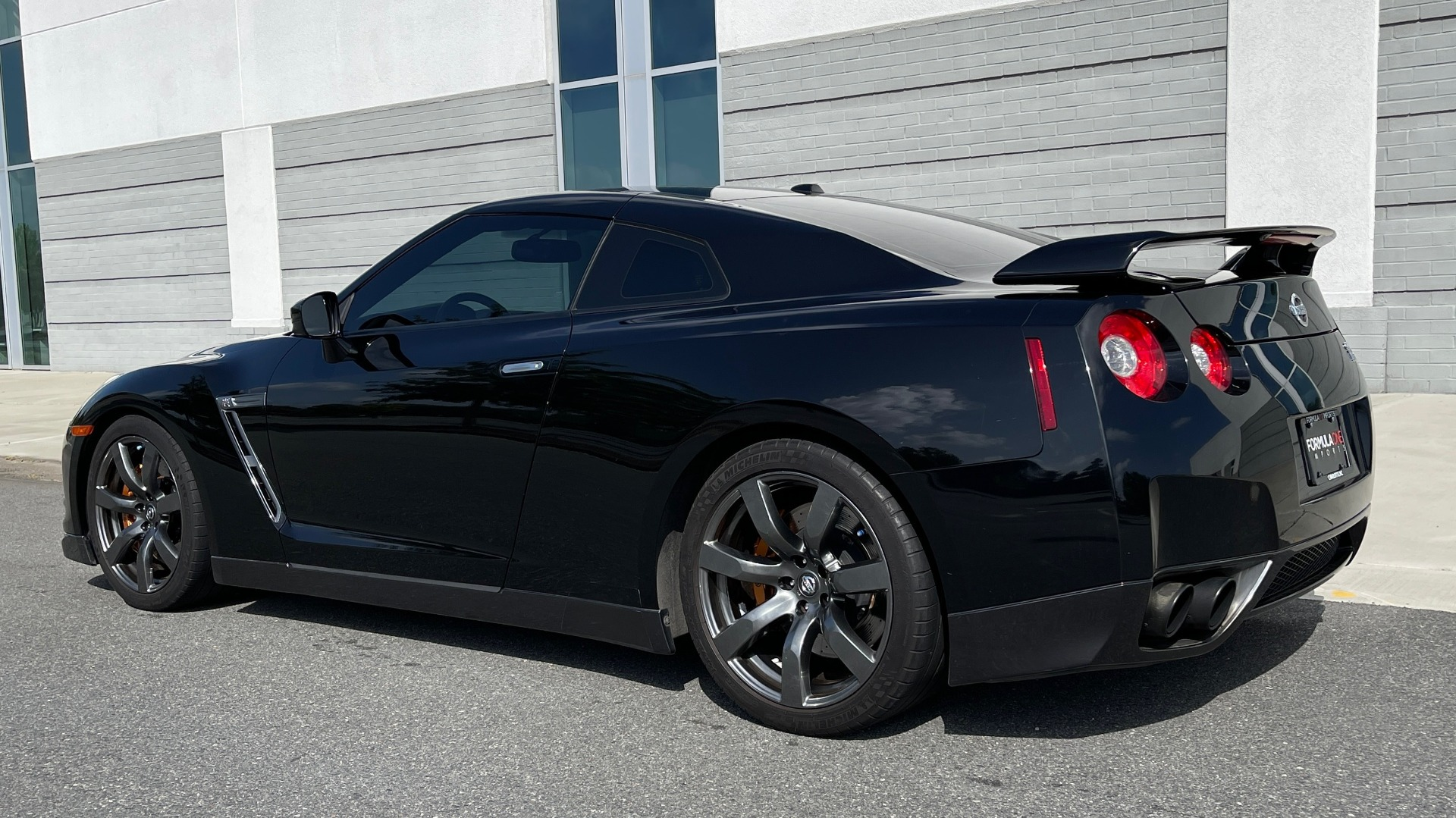 Used 2009 Nissan GT-R PREMIUM COUPE / AWD / TT 3.8L V6 / NAV / BOSE / BREMBO for sale $57,995 at Formula Imports in Charlotte NC 28227 4