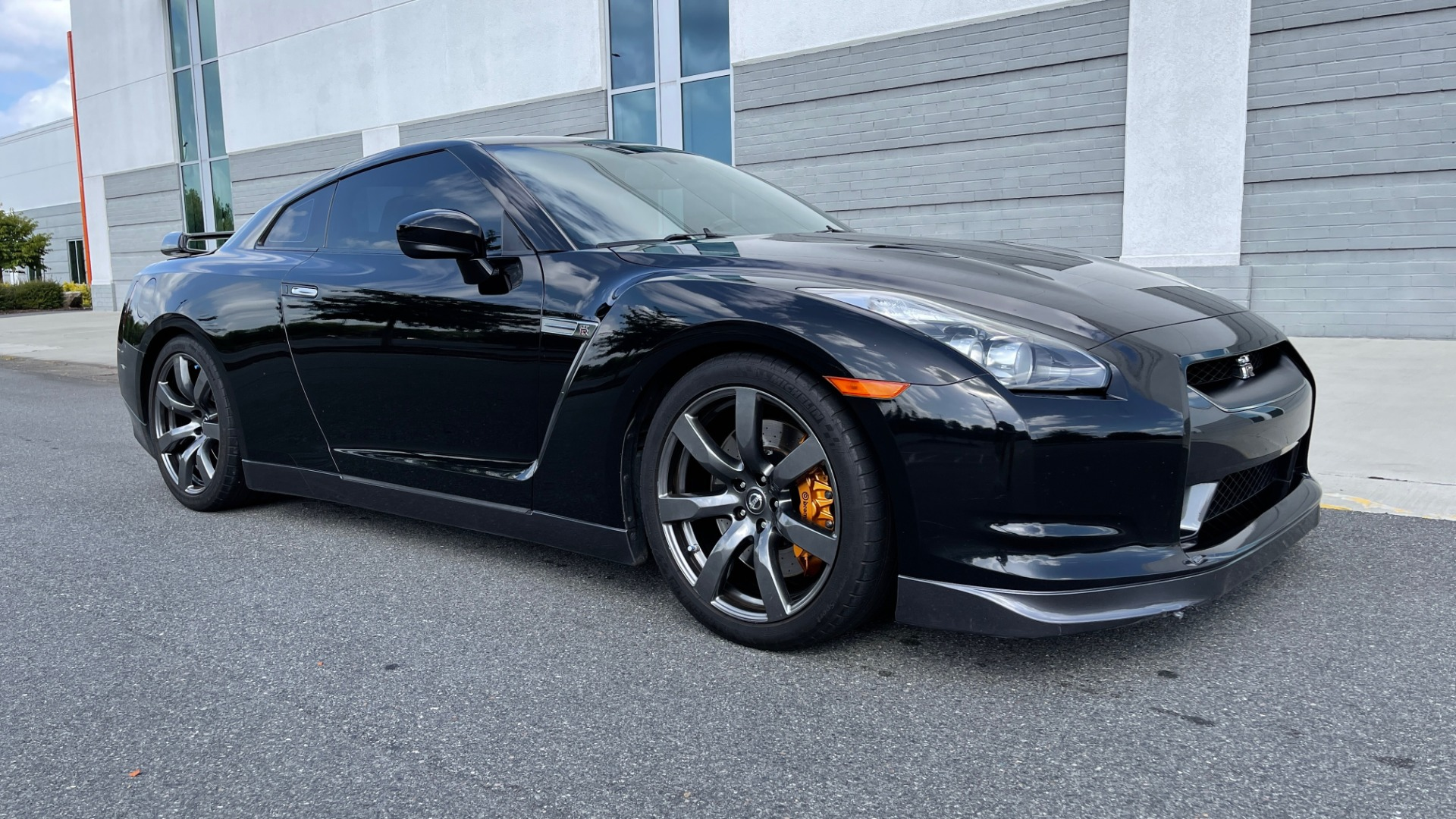 Used 2009 Nissan GT-R PREMIUM COUPE / AWD / TT 3.8L V6 / NAV / BOSE / BREMBO for sale $57,995 at Formula Imports in Charlotte NC 28227 5