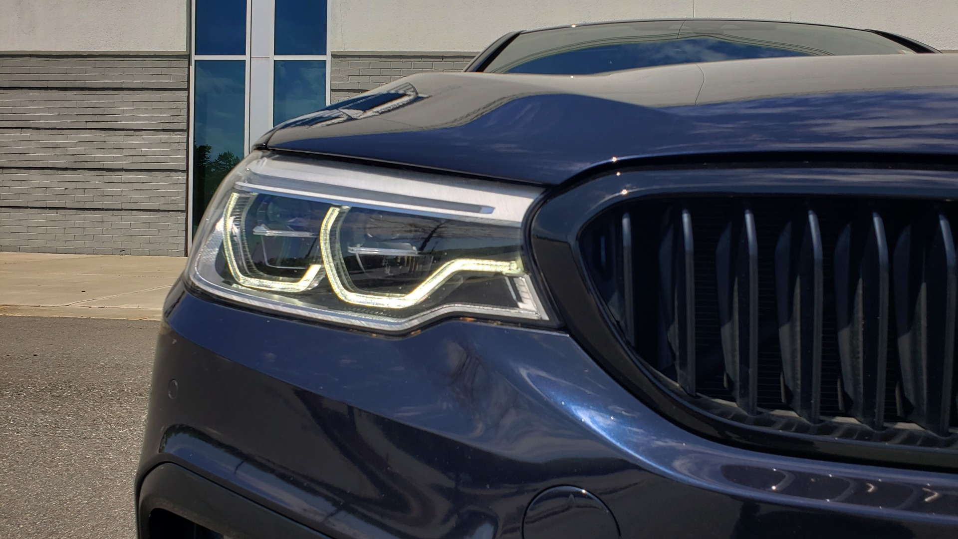 Used 2017 BMW 5 SERIES 540I XDRIVE M-SPORT / PREMIUM / DRVR ASST PLUS / CLD WTHR / LUXURY for sale Sold at Formula Imports in Charlotte NC 28227 23