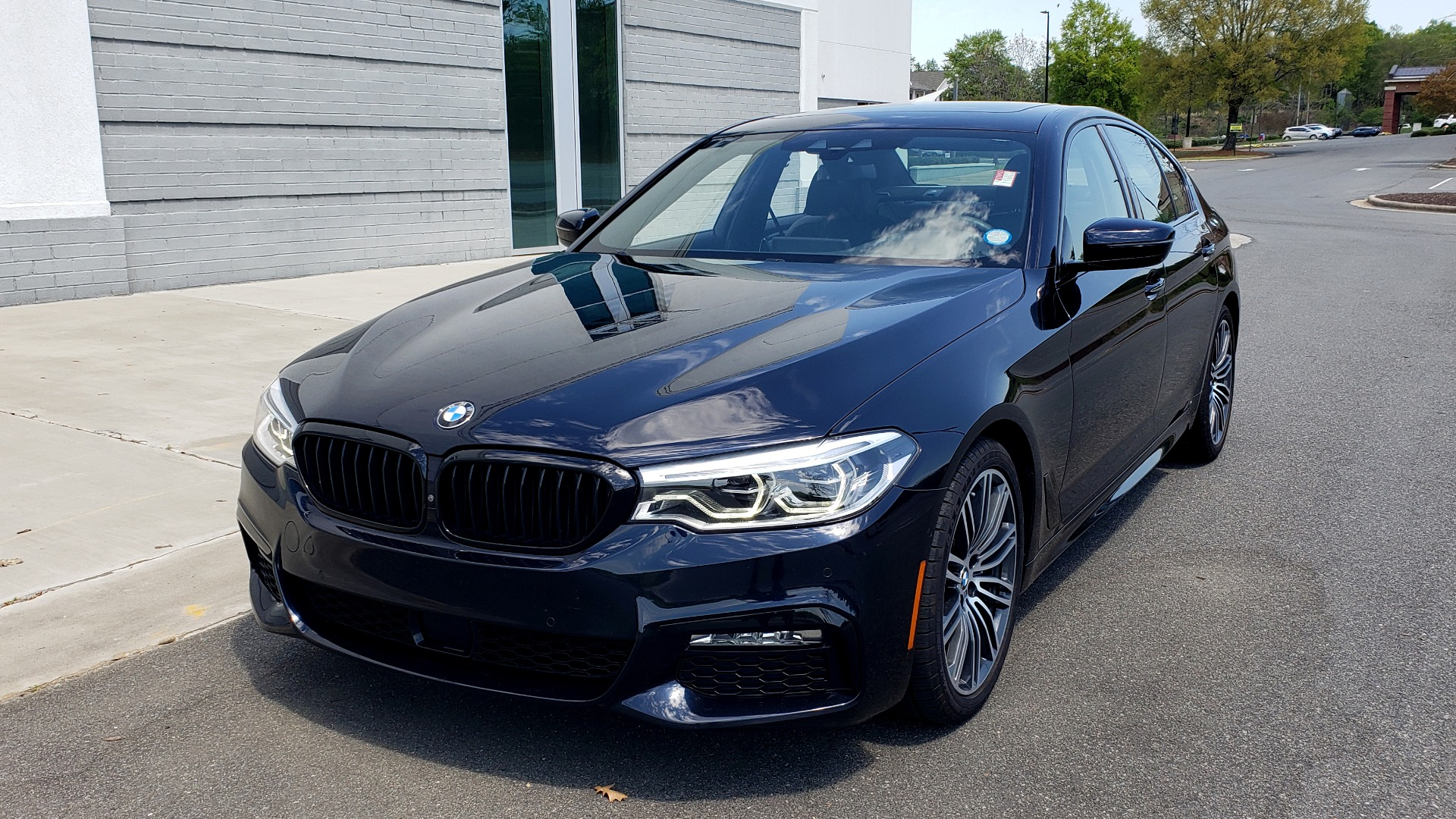 Used 2017 BMW 5 SERIES 540I XDRIVE M-SPORT / PREMIUM / DRVR ASST PLUS / CLD WTHR / LUXURY for sale Sold at Formula Imports in Charlotte NC 28227 5