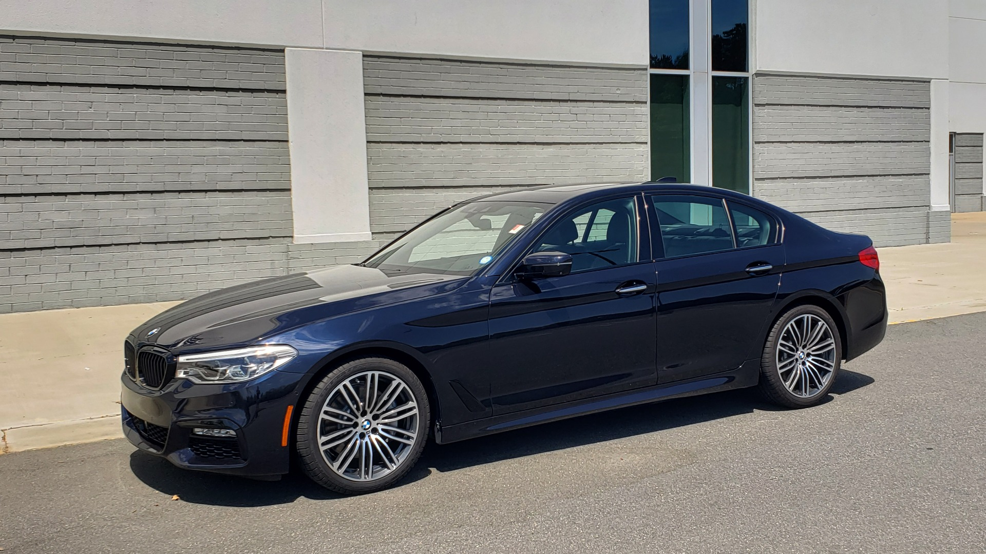 Used 2017 BMW 5 SERIES 540I XDRIVE M-SPORT / PREMIUM / DRVR ASST PLUS / CLD WTHR / LUXURY for sale Sold at Formula Imports in Charlotte NC 28227 6