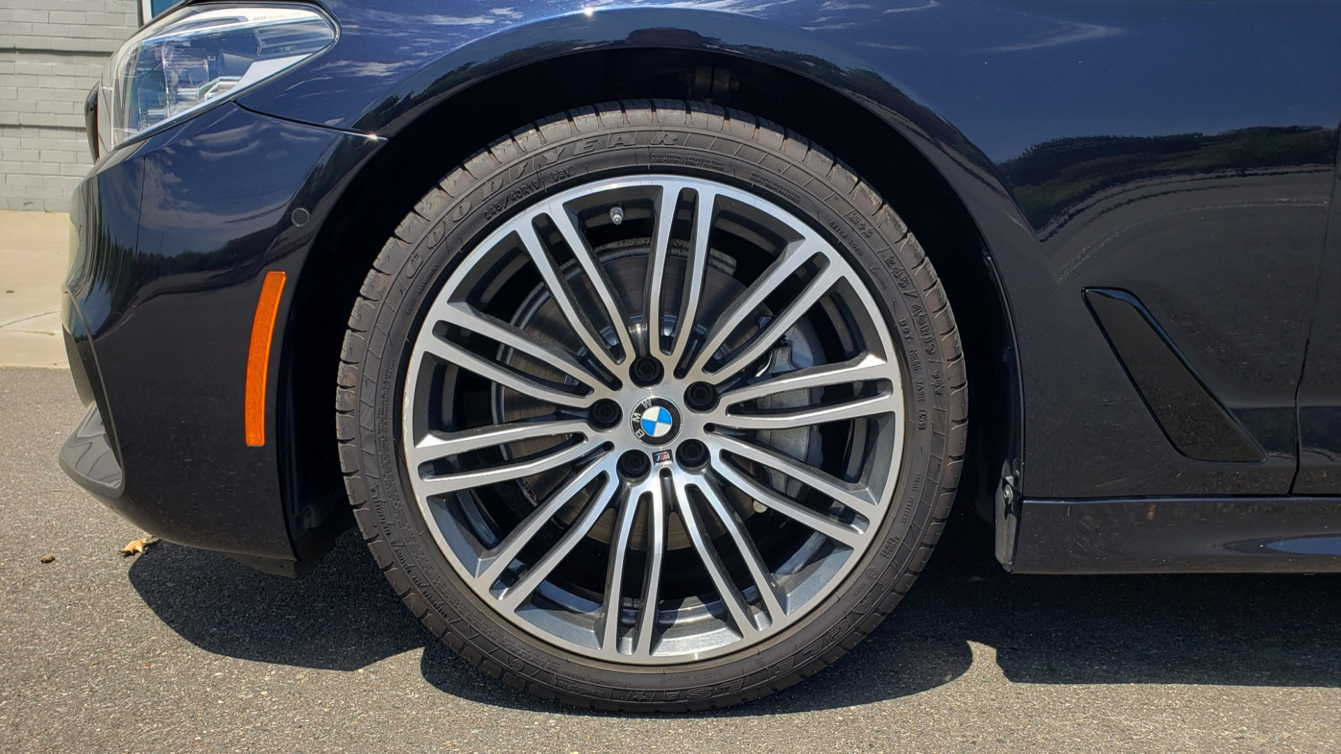 Used 2017 BMW 5 SERIES 540I XDRIVE M-SPORT / PREMIUM / DRVR ASST PLUS / CLD WTHR / LUXURY for sale Sold at Formula Imports in Charlotte NC 28227 77