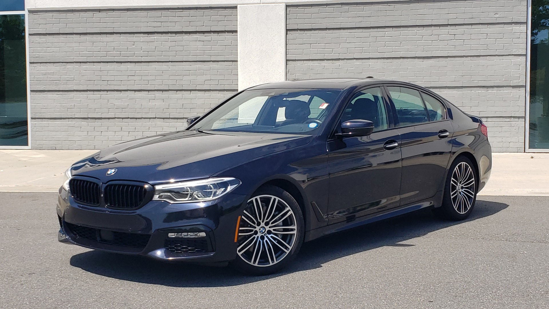 Used 2017 BMW 5 SERIES 540I XDRIVE M-SPORT / PREMIUM / DRVR ASST PLUS / CLD WTHR / LUXURY for sale $34,995 at Formula Imports in Charlotte NC 28227 1