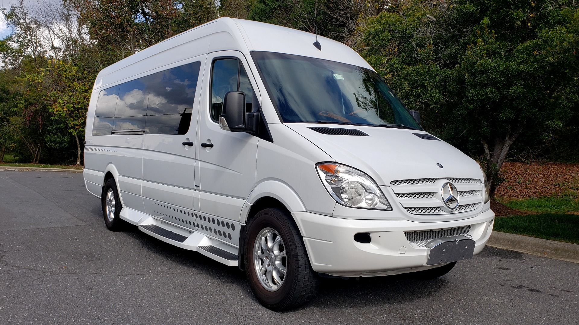 Used 2013 Mercedes-Benz MIDWEST SPRINTER JET VAN EXT 170 / NAV / 3-FLAT SCREEN / TECHNOLOGY / SAT TV for sale Sold at Formula Imports in Charlotte NC 28227 4