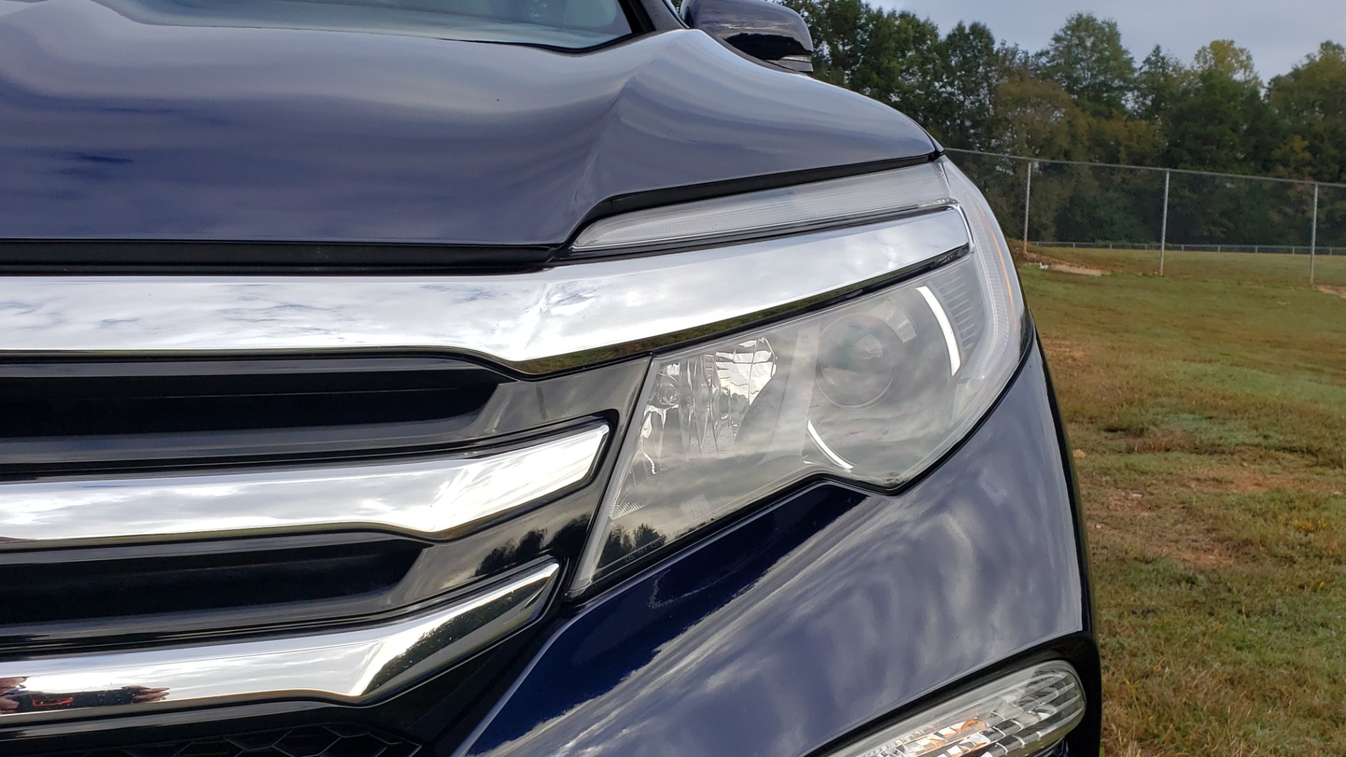 Used 2017 Honda PILOT TOURING 2WD / NAV / SUNROOF / 3-ROW / ENT SYS / REARVIEW for sale Sold at Formula Imports in Charlotte NC 28227 12