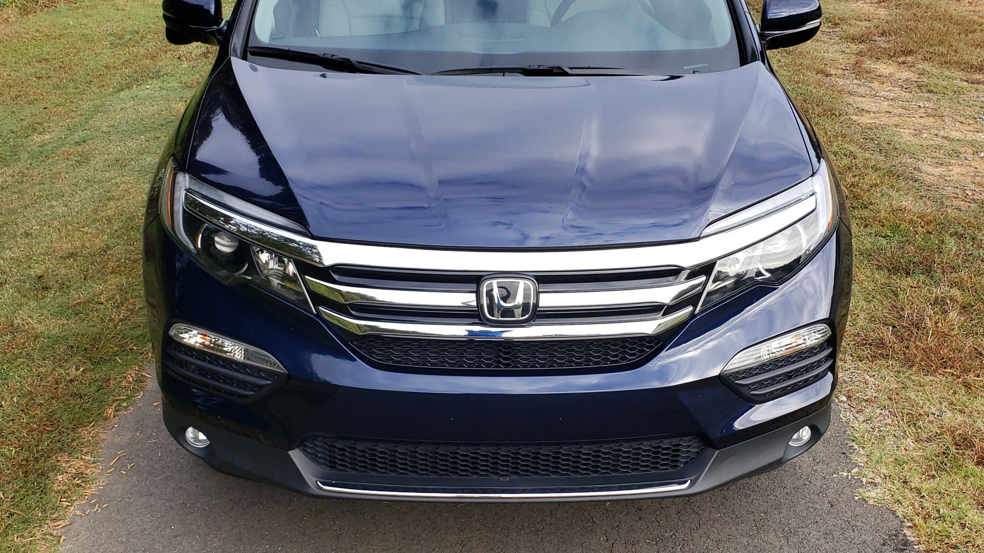 Used 2017 Honda PILOT TOURING 2WD / NAV / SUNROOF / 3-ROW / ENT SYS / REARVIEW for sale Sold at Formula Imports in Charlotte NC 28227 13