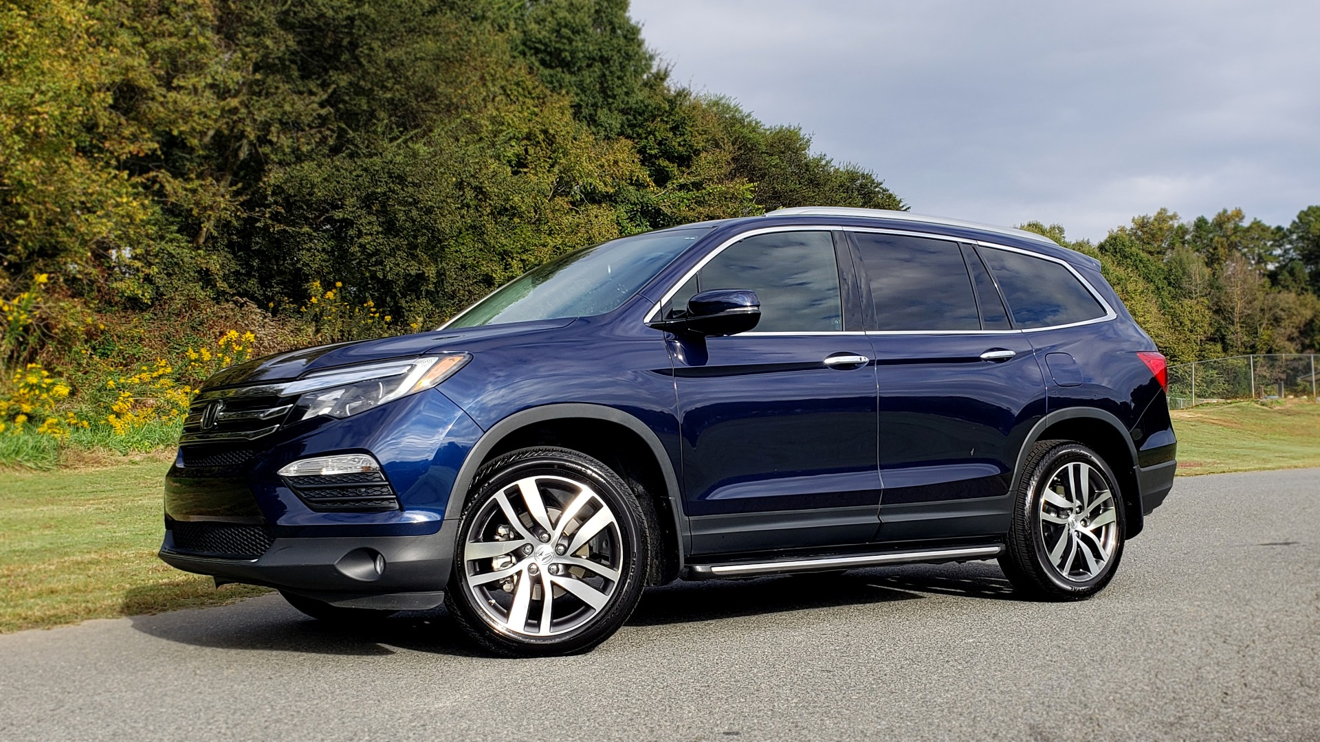 Used 2017 Honda PILOT TOURING 2WD / NAV / SUNROOF / 3-ROW / ENT SYS / REARVIEW for sale Sold at Formula Imports in Charlotte NC 28227 2