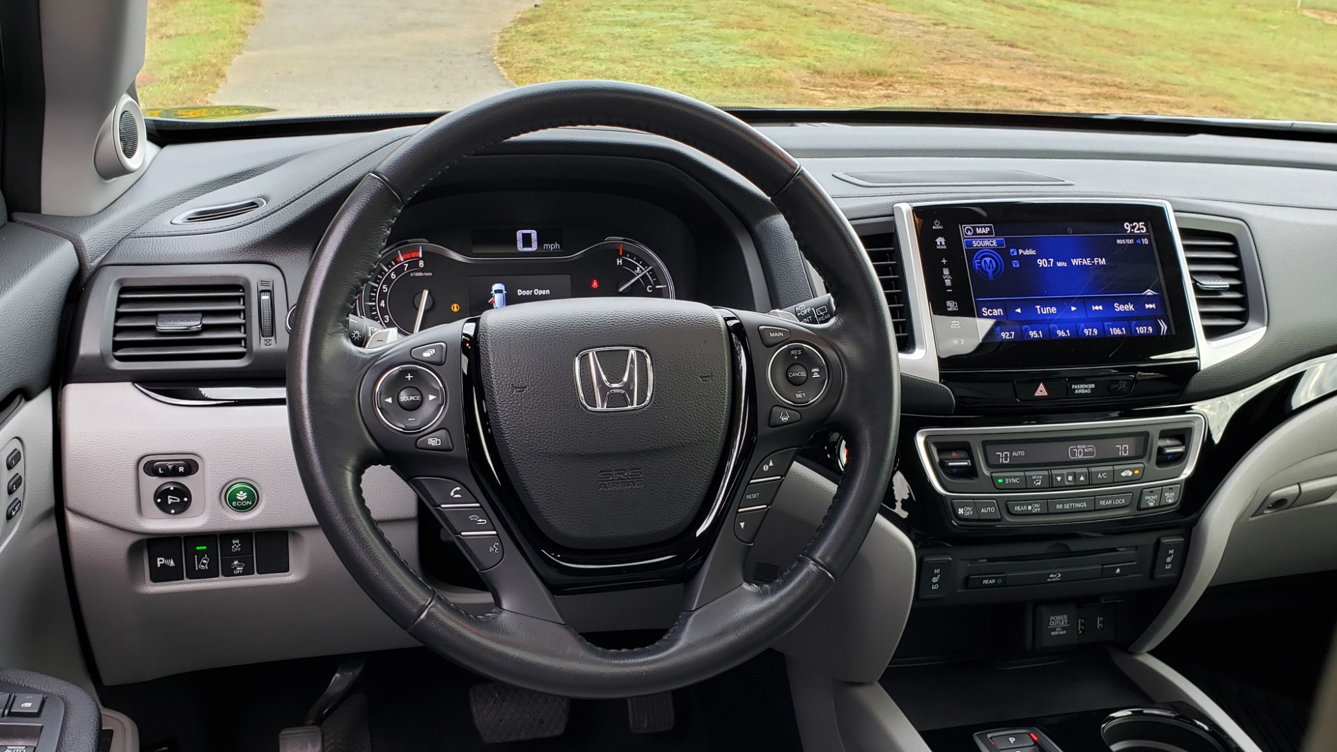 Used 2017 Honda PILOT TOURING 2WD / NAV / SUNROOF / 3-ROW / ENT SYS / REARVIEW for sale Sold at Formula Imports in Charlotte NC 28227 38
