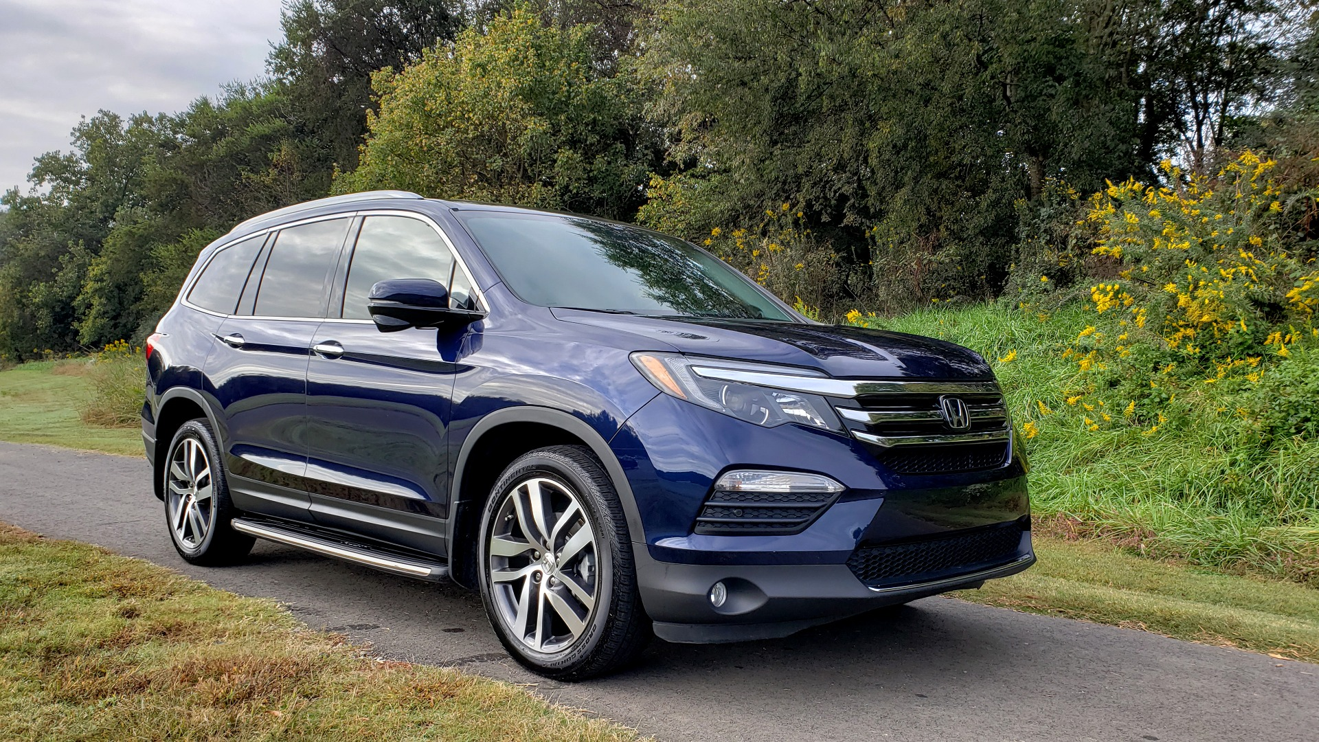Used 2017 Honda PILOT TOURING 2WD / NAV / SUNROOF / 3-ROW / ENT SYS / REARVIEW for sale Sold at Formula Imports in Charlotte NC 28227 5