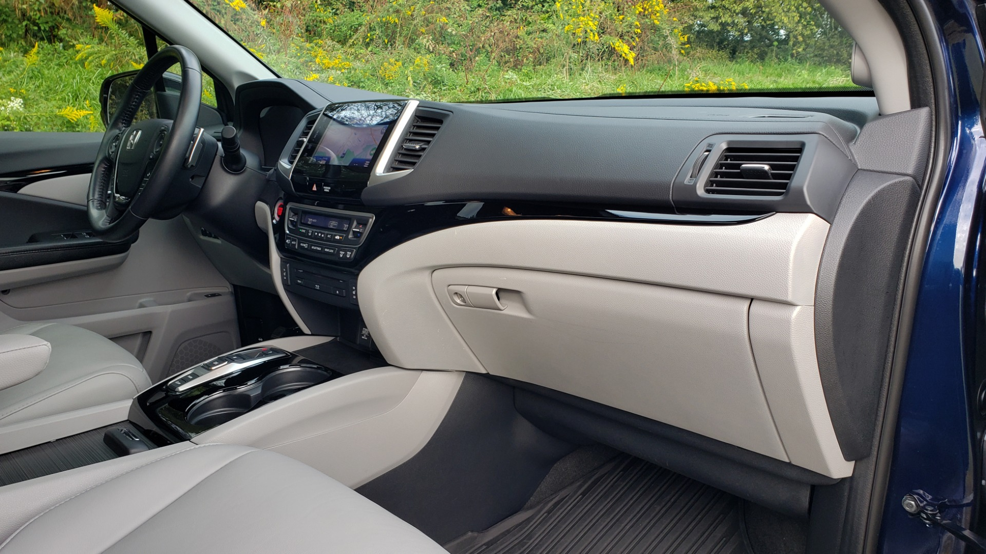Used 2017 Honda PILOT TOURING 2WD / NAV / SUNROOF / 3-ROW / ENT SYS / REARVIEW for sale Sold at Formula Imports in Charlotte NC 28227 68