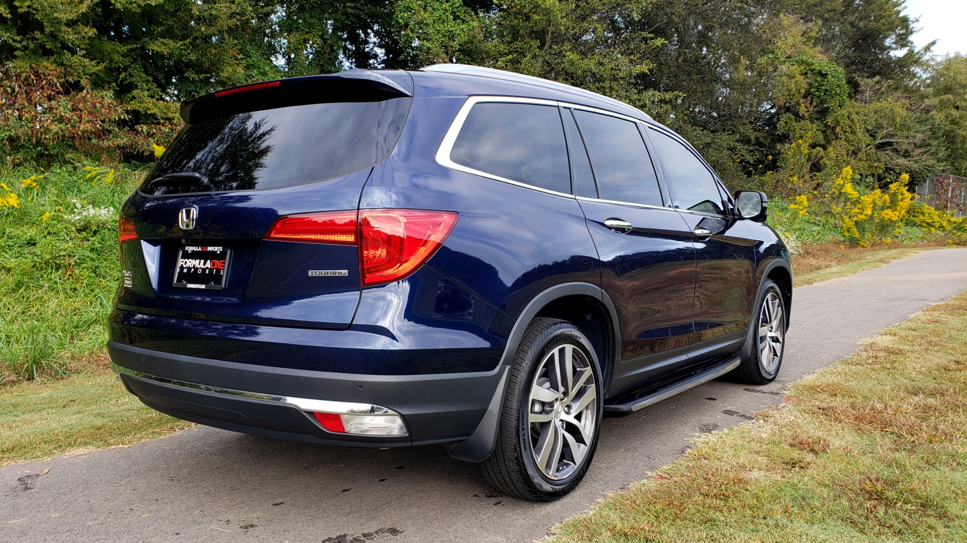 Used 2017 Honda PILOT TOURING 2WD / NAV / SUNROOF / 3-ROW / ENT SYS / REARVIEW for sale Sold at Formula Imports in Charlotte NC 28227 7