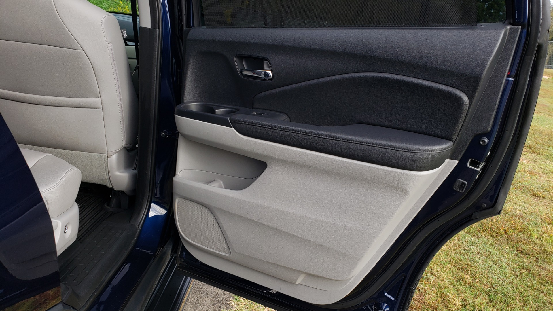 Used 2017 Honda PILOT TOURING 2WD / NAV / SUNROOF / 3-ROW / ENT SYS / REARVIEW for sale Sold at Formula Imports in Charlotte NC 28227 70