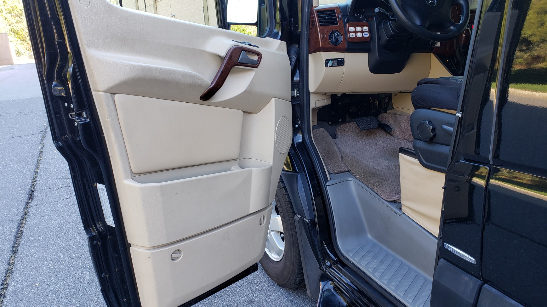 Used 2012 Mercedes-Benz SPRINTER CARGO VAN EXT / OFFICE ON WHEELS / FLT SCREEN TV / LOUNGE for sale Sold at Formula Imports in Charlotte NC 28227 18
