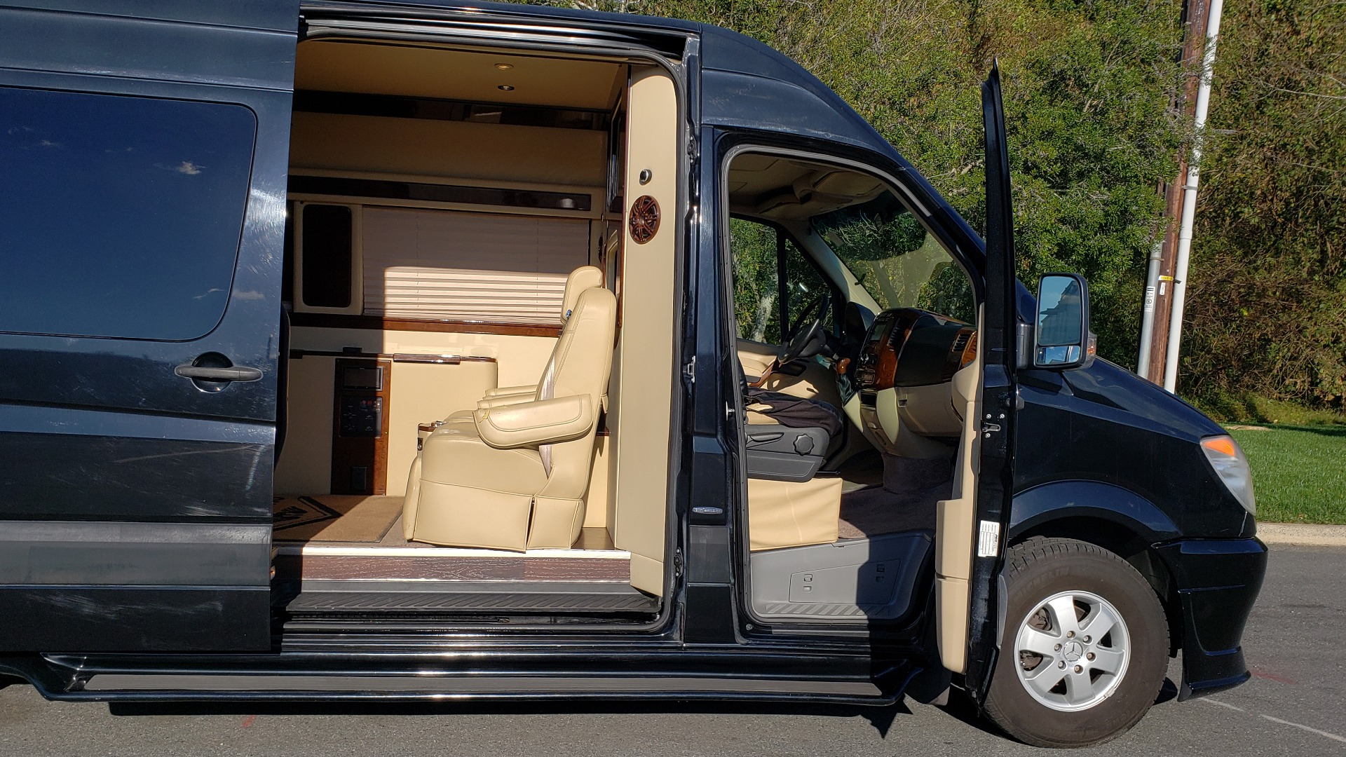 Used 2012 Mercedes-Benz SPRINTER CARGO VAN EXT / OFFICE ON WHEELS / FLT SCREEN TV / LOUNGE for sale Sold at Formula Imports in Charlotte NC 28227 7