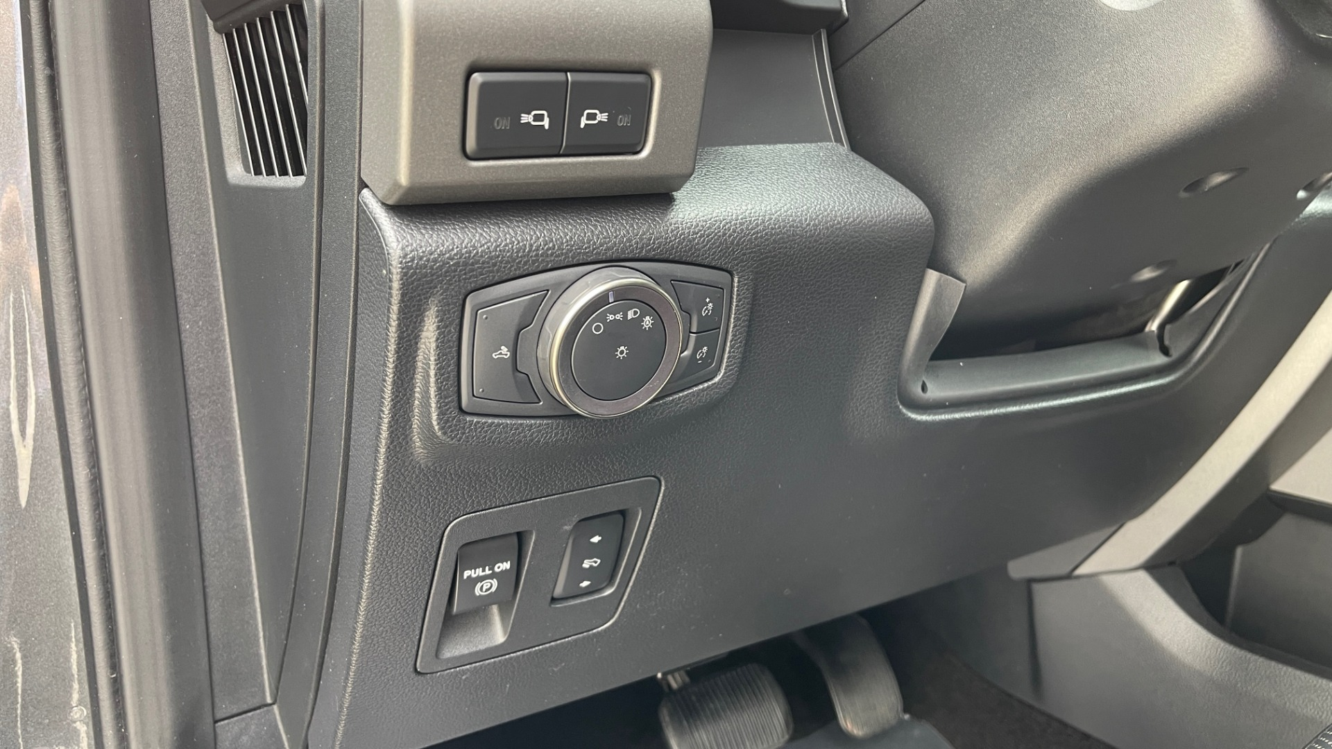 Used 2020 Ford F-150 RAPTOR 4X4 SUPERCREW / NAV / B&O SOUND / SUNROOF / REARVIEW for sale $74,900 at Formula Imports in Charlotte NC 28227 32