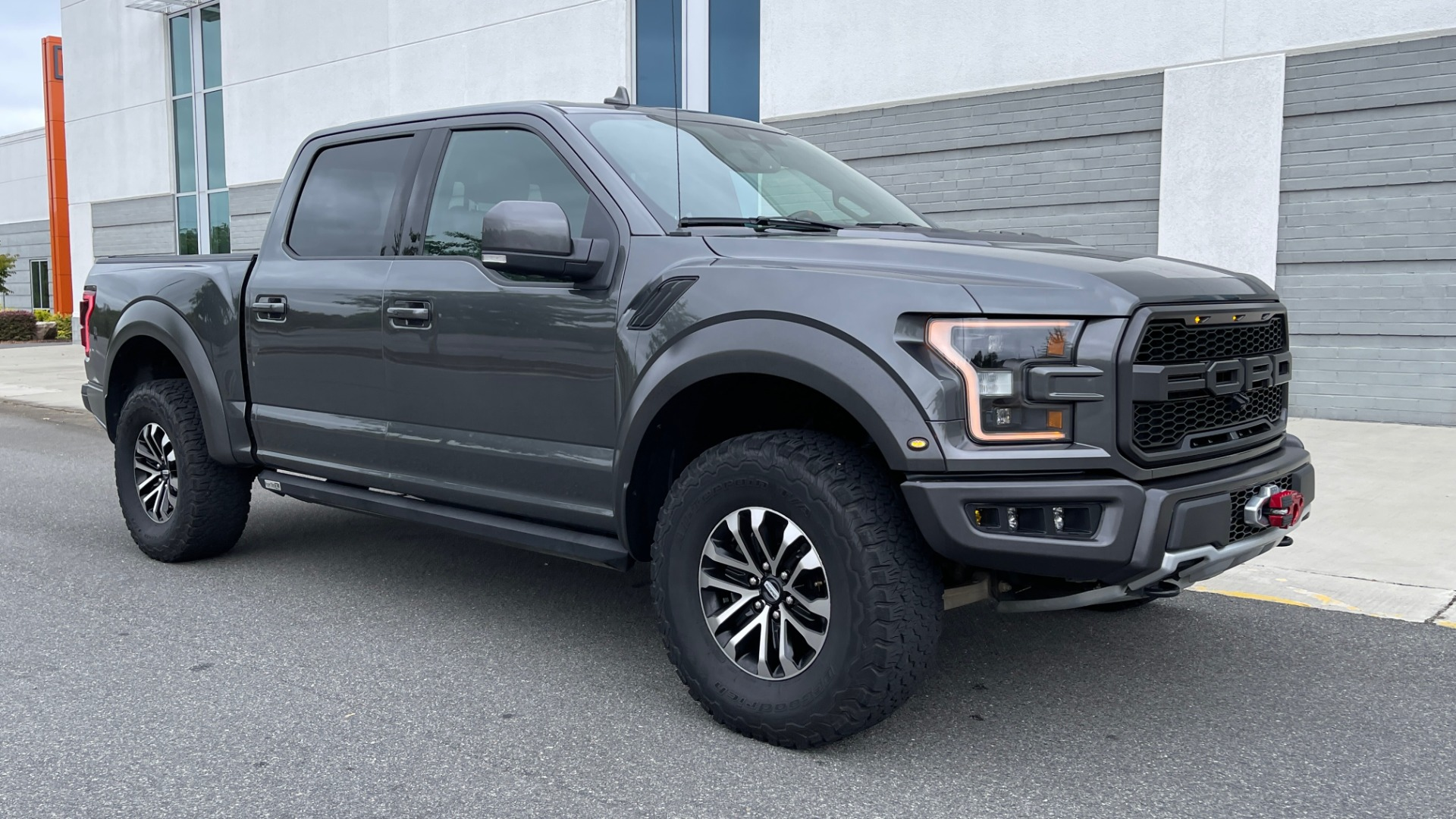 Used 2020 Ford F-150 RAPTOR 4X4 SUPERCREW / NAV / B&O SOUND / SUNROOF / REARVIEW for sale $74,900 at Formula Imports in Charlotte NC 28227 5