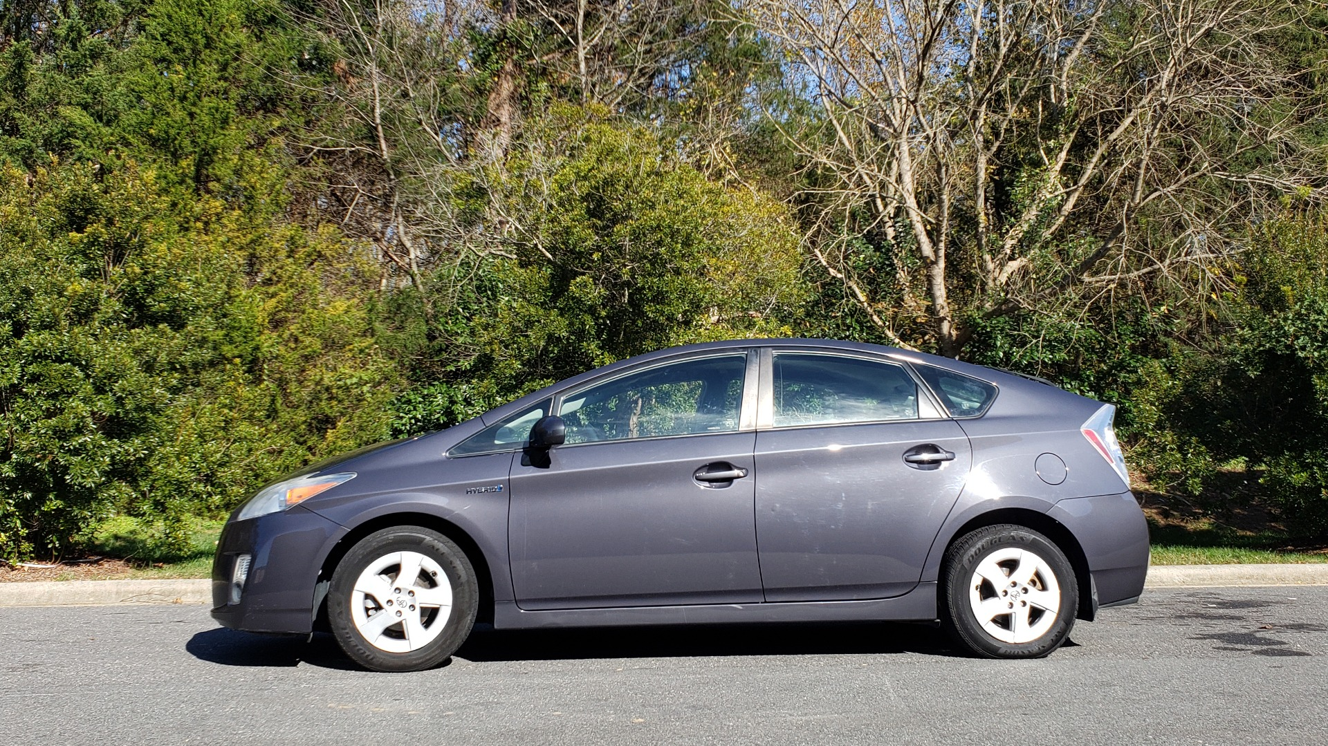 Used 2011 Toyota PRIUS ONE / HYBRID / 5-DOOR / HATCHBACK / 50MPG for sale Sold at Formula Imports in Charlotte NC 28227 2