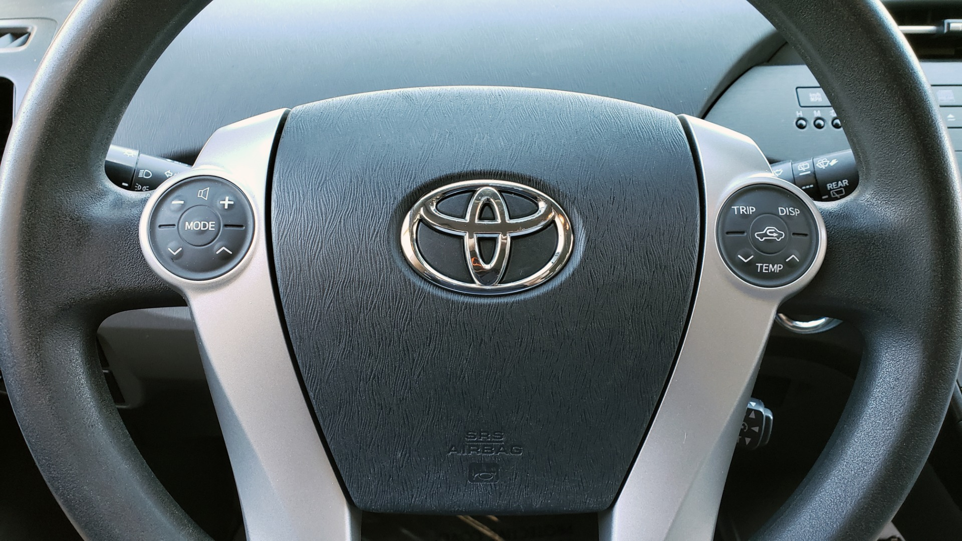 Used 2011 Toyota PRIUS ONE / HYBRID / 5-DOOR / HATCHBACK / 50MPG for sale Sold at Formula Imports in Charlotte NC 28227 38