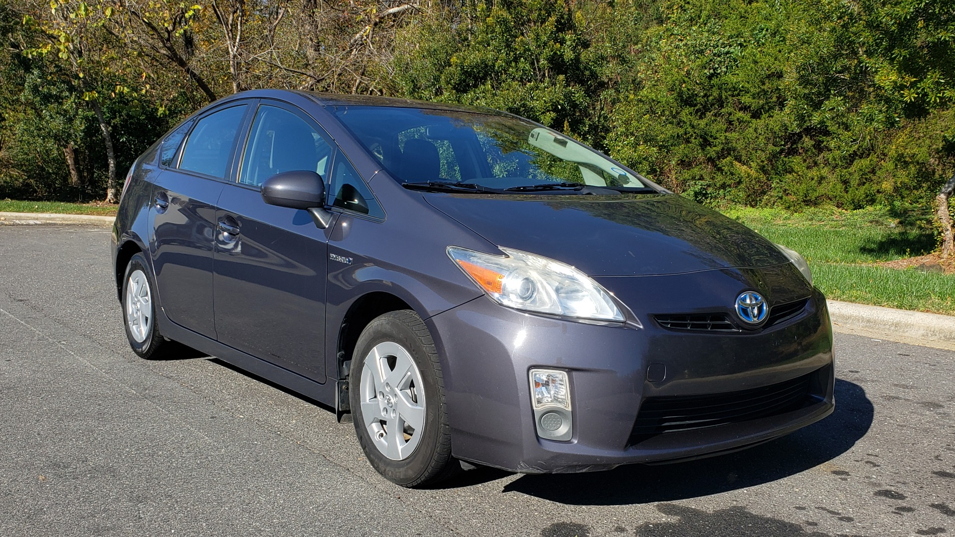 Used 2011 Toyota PRIUS ONE / HYBRID / 5-DOOR / HATCHBACK / 50MPG for sale Sold at Formula Imports in Charlotte NC 28227 4