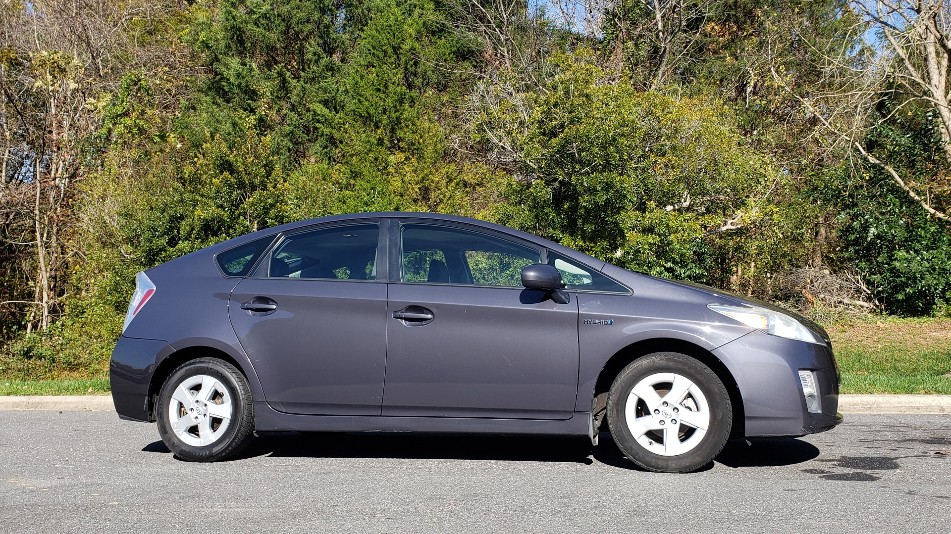 Used 2011 Toyota PRIUS ONE / HYBRID / 5-DOOR / HATCHBACK / 50MPG for sale Sold at Formula Imports in Charlotte NC 28227 5