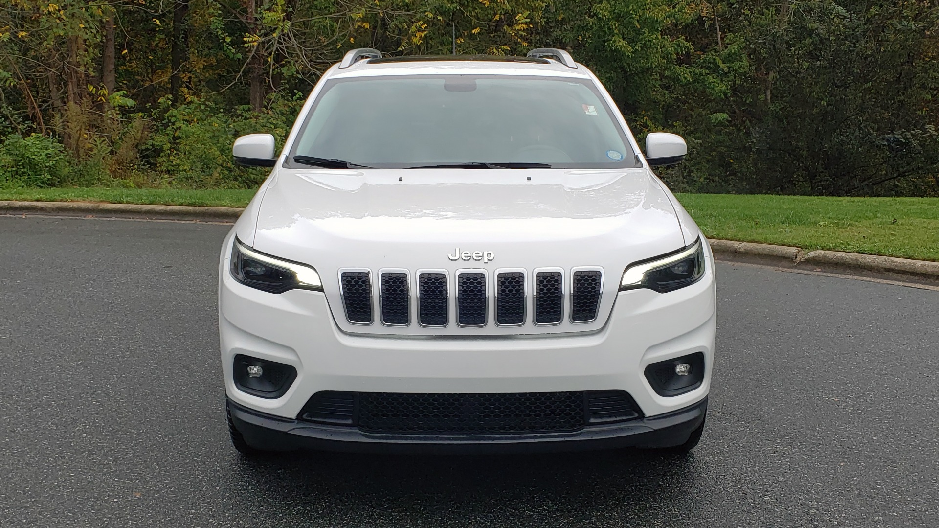 Used 2019 Jeep CHEROKEE LATITUDE PLUS FWD / CLD WTHR / HTD STS / BLIND SPOT / PRK ASST for sale Sold at Formula Imports in Charlotte NC 28227 21