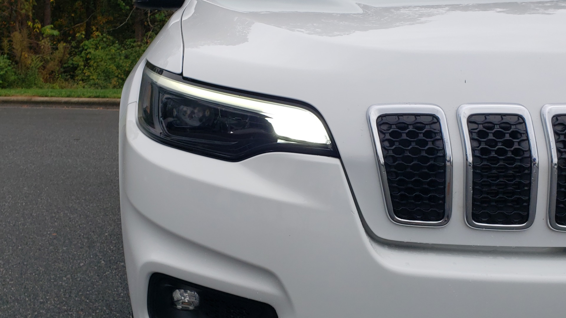 Used 2019 Jeep CHEROKEE LATITUDE PLUS FWD / CLD WTHR / HTD STS / BLIND SPOT / PRK ASST for sale Sold at Formula Imports in Charlotte NC 28227 22