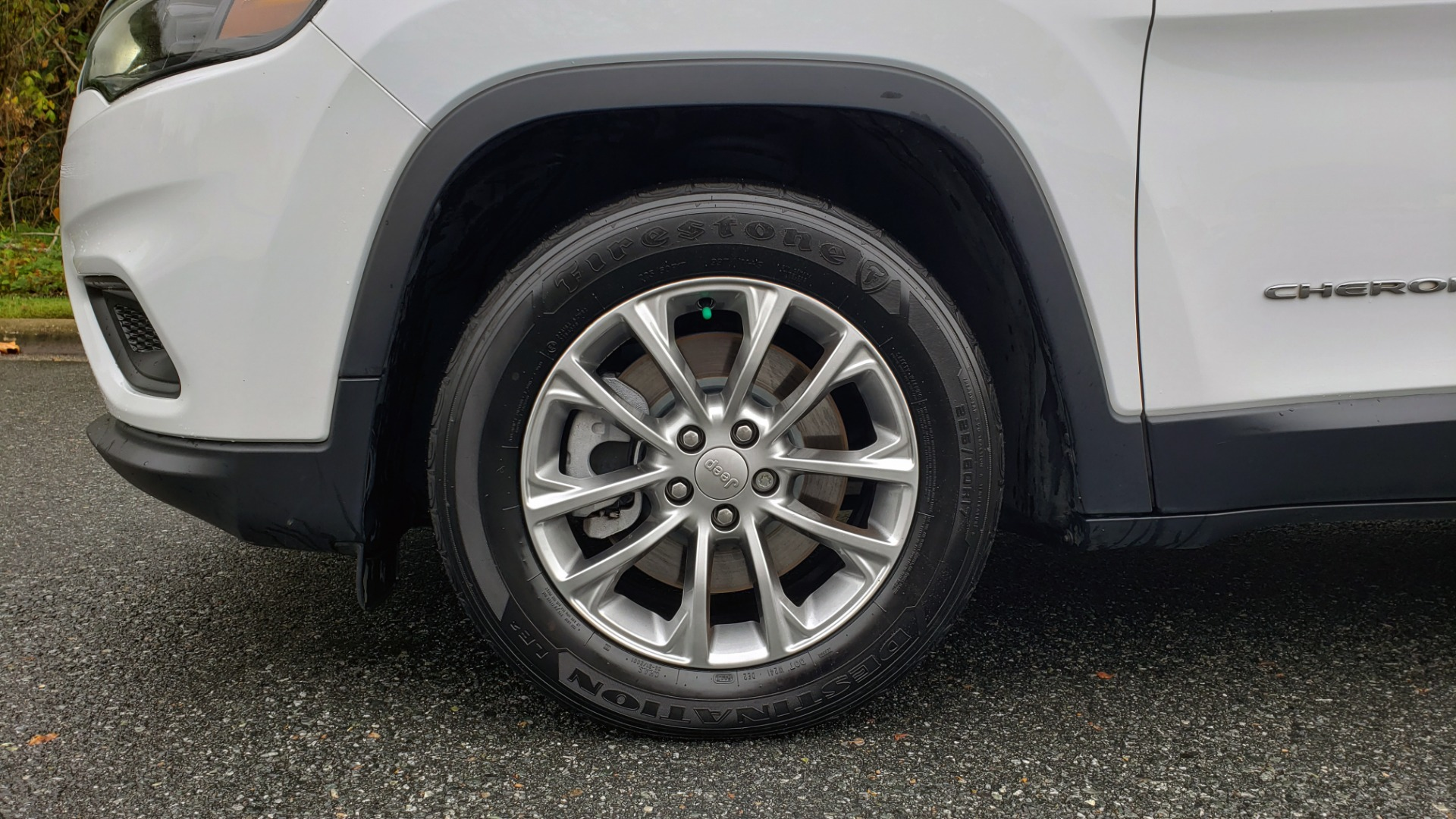 Used 2019 Jeep CHEROKEE LATITUDE PLUS FWD / CLD WTHR / HTD STS / BLIND SPOT / PRK ASST for sale Sold at Formula Imports in Charlotte NC 28227 78