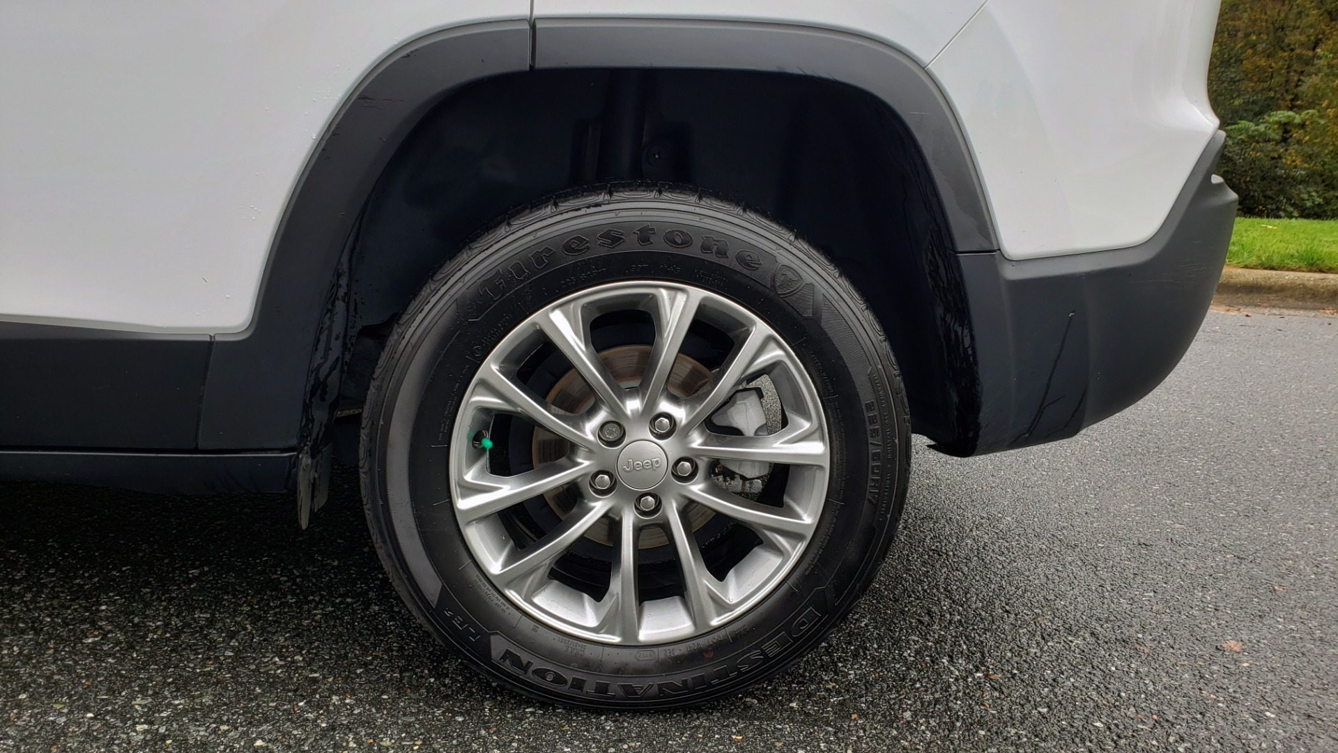 Used 2019 Jeep CHEROKEE LATITUDE PLUS FWD / CLD WTHR / HTD STS / BLIND SPOT / PRK ASST for sale Sold at Formula Imports in Charlotte NC 28227 79