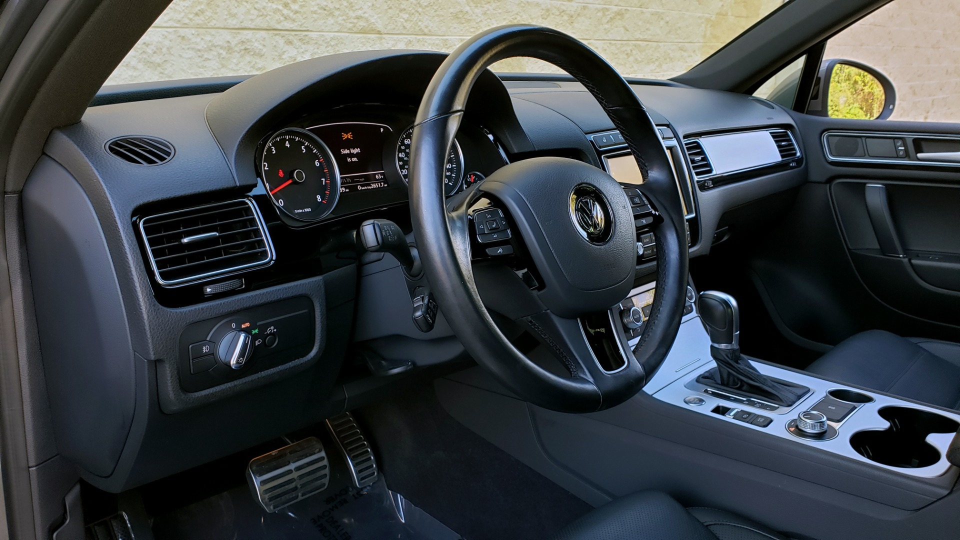 Used 2017 Volkswagen TOUAREG V6 WOLFSBURG EDITION / NAV / PANO-ROOF / ACC / REARVIEW for sale Sold at Formula Imports in Charlotte NC 28227 42