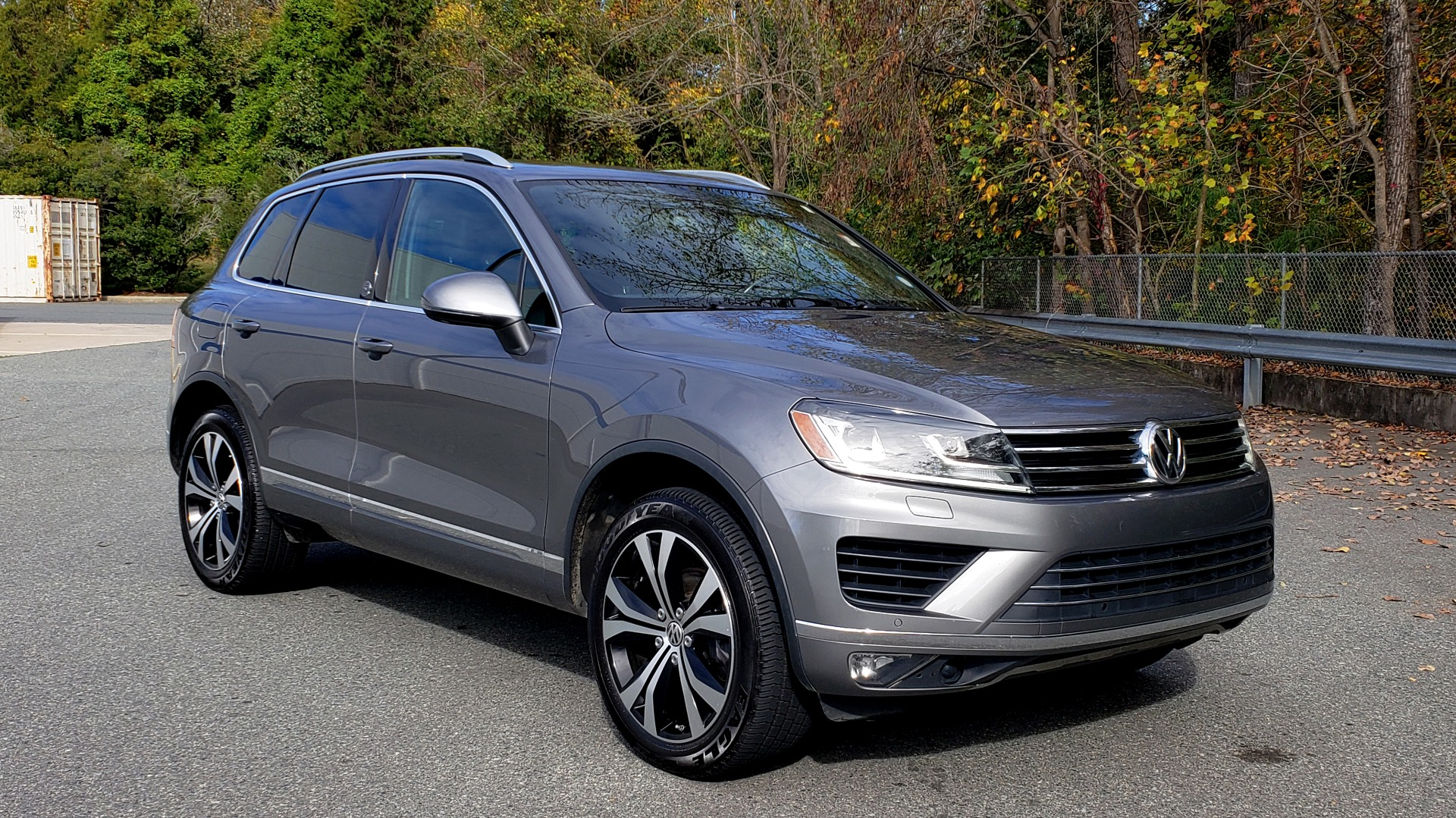 Used 2017 Volkswagen TOUAREG V6 WOLFSBURG EDITION / NAV / PANO-ROOF / ACC / REARVIEW for sale Sold at Formula Imports in Charlotte NC 28227 5